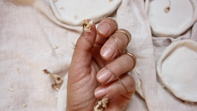 nude nails  beauty fashionbeautychallenge nailart nude beige blumen blumenliebe  f682d74a 5931 41e2 98a9 a0e71f64dc29
