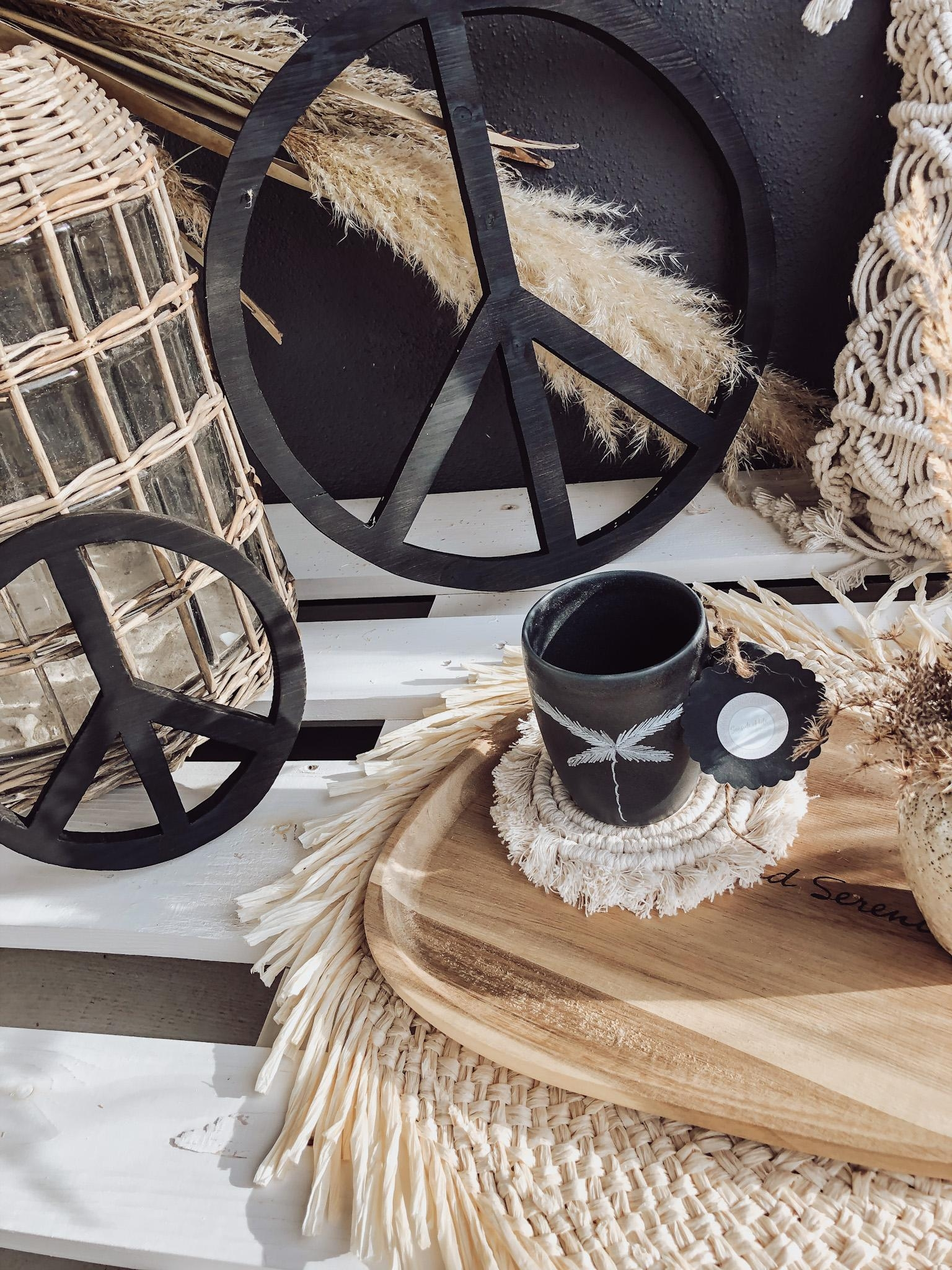 << Peaceful monday with Coffee & good vibes 