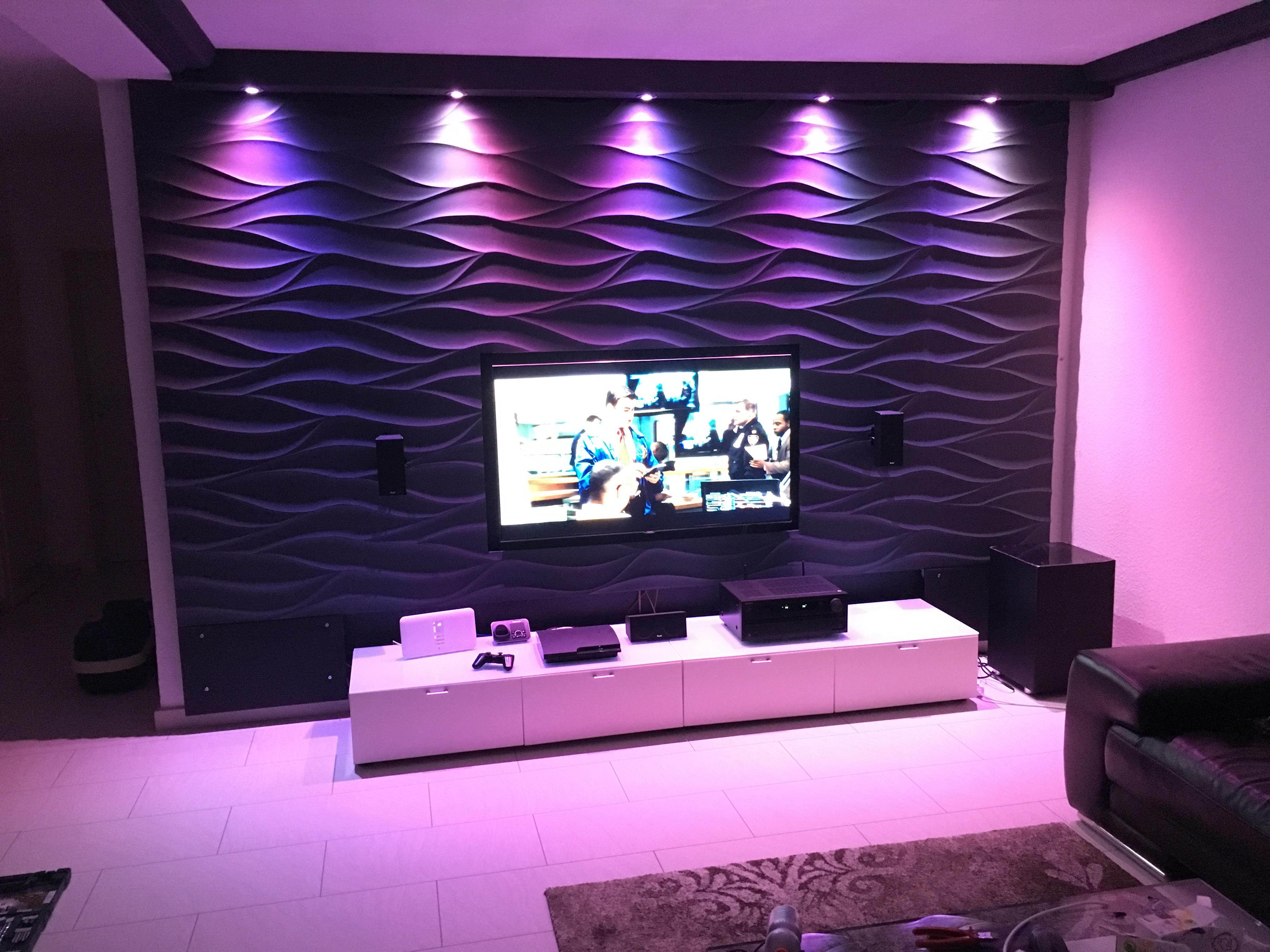 3d wandpaneele an der tv wand wandverkleidung wand. Black Bedroom Furniture Sets. Home Design Ideas