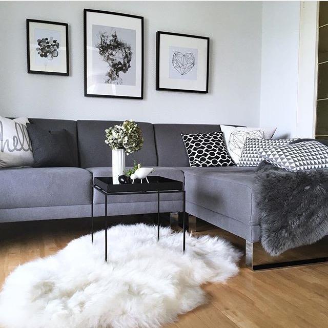 Ab auf die Couch #sofazeit #gemütlich #wohnzimmer • ...
