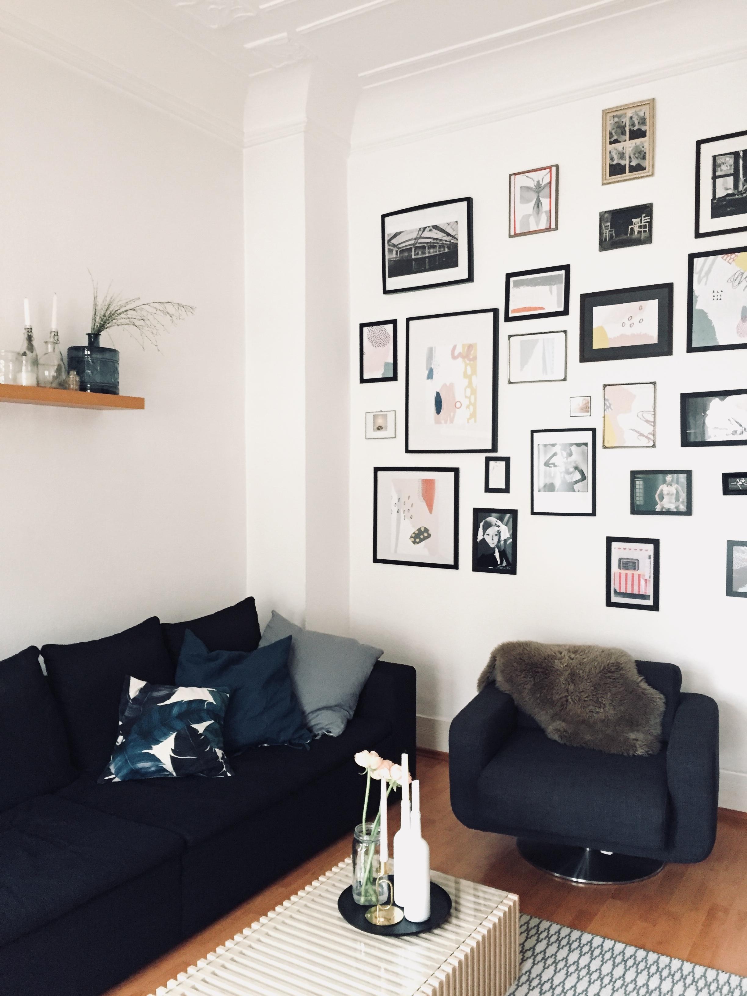 wohnzimmer gallerywall altbauliebe dekoidee interiordesign