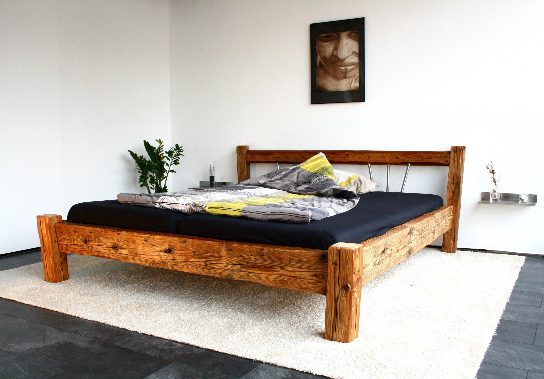 Ab Ins #Bett ; ) #Schlafzimmer #Holzbett #Altholzbett #hygge #