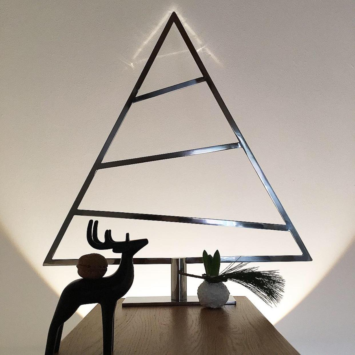 Adventsdekoration | less is more #nordicstyle #weihnachtsbaum #adventsdekoration