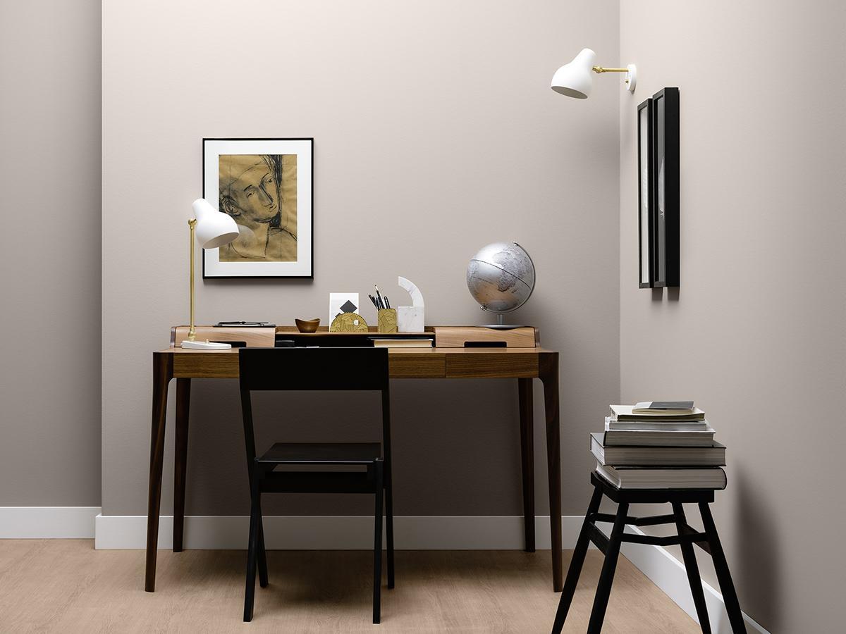 Graue wandfarbe bilder ideen couchstyle for Grauer schreibtisch