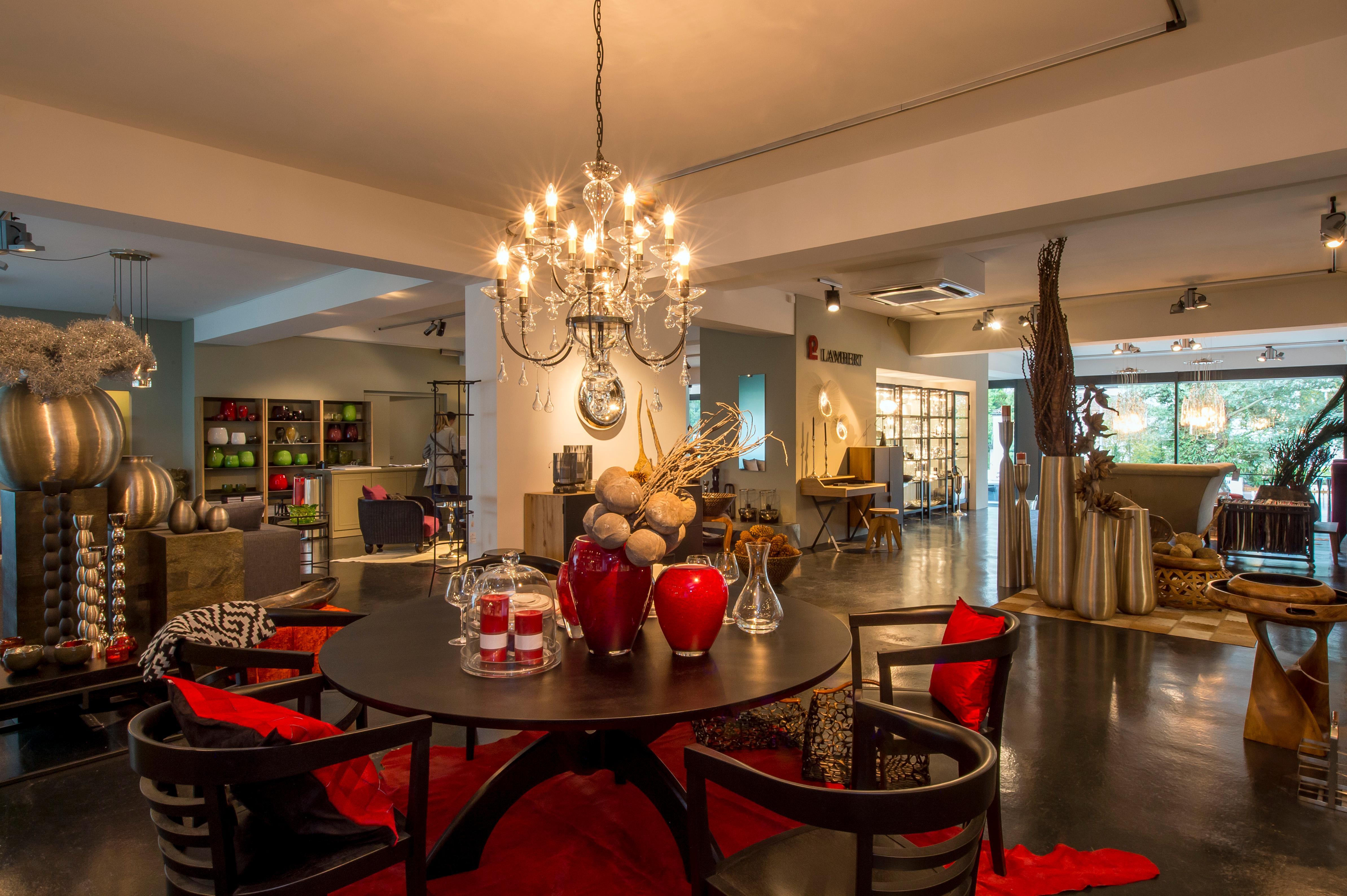 ansicht lambert flagship store z rich zollikon stuh. Black Bedroom Furniture Sets. Home Design Ideas