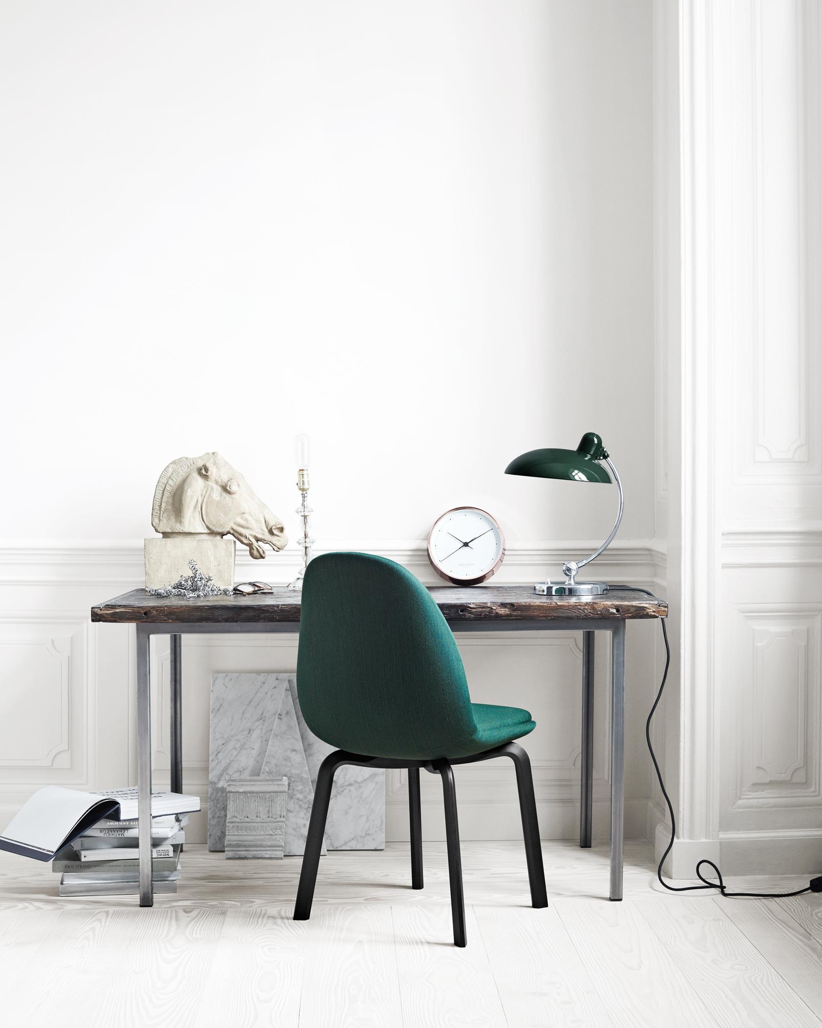 Arbeitsplatz Mit Retroflair Stuhl Schreibtisch Ti