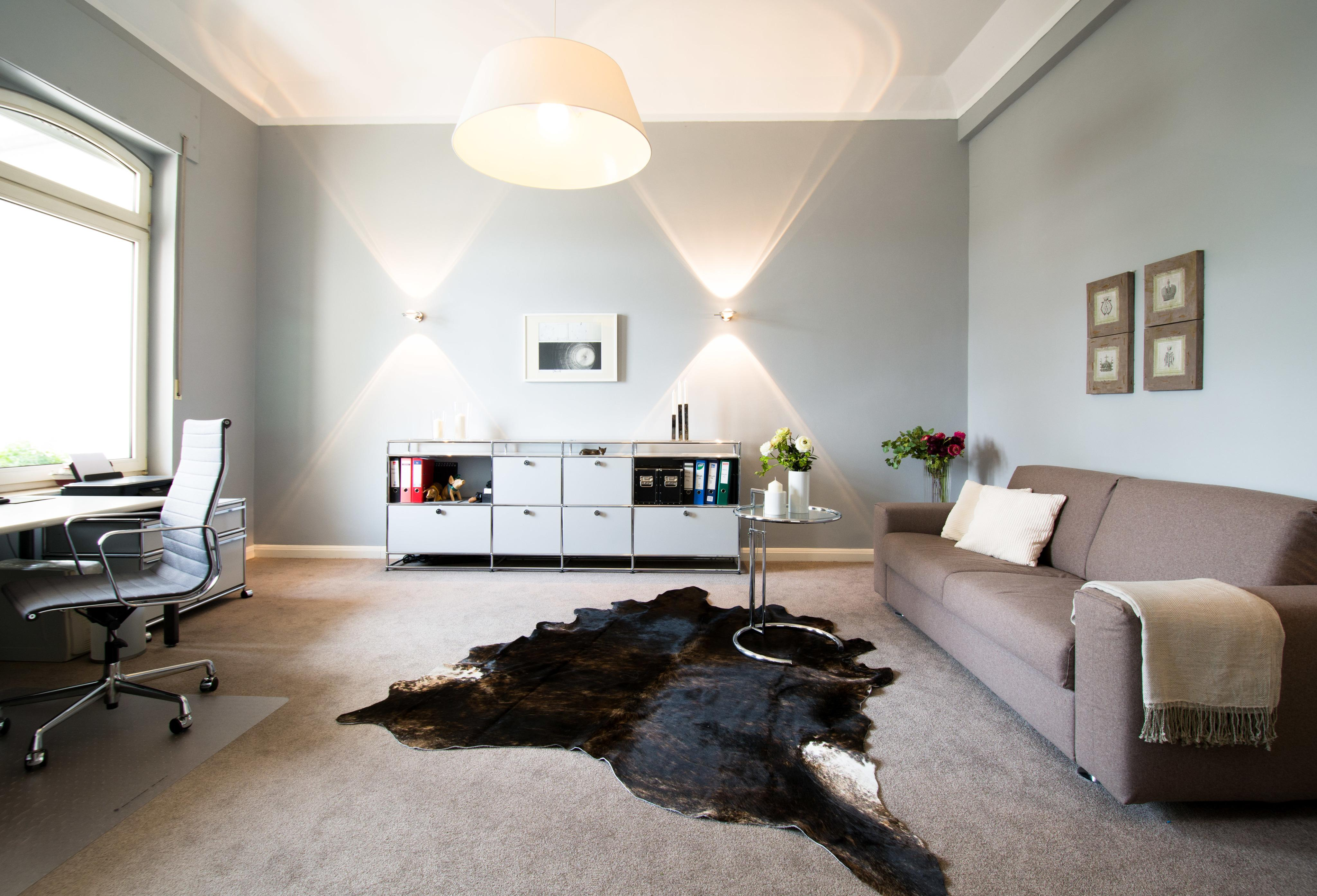 Beigefarbenes sofakissen bilder ideen couch - Arbeitszimmer wandfarbe ...
