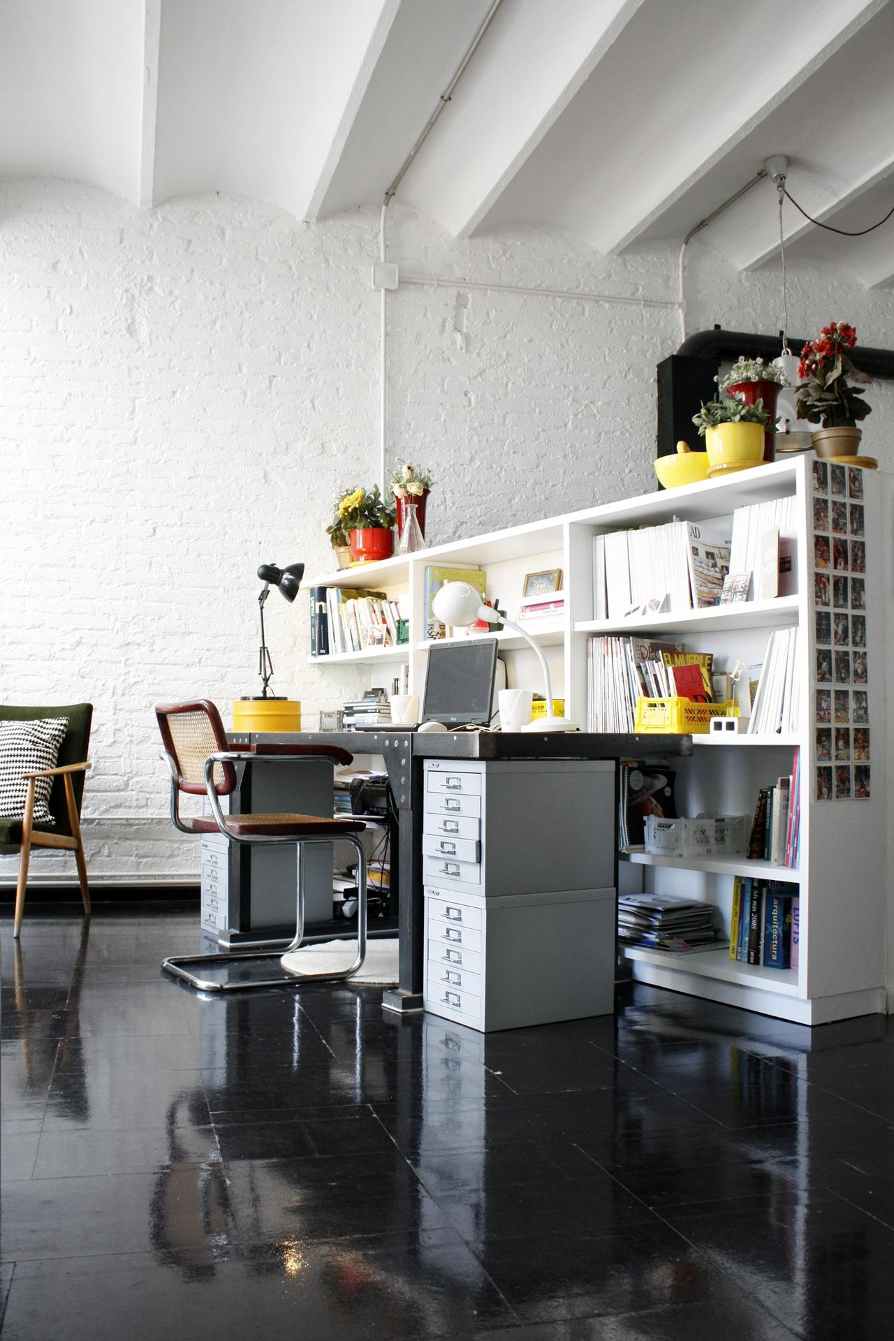 Büro Innenarchitektur arbeitszimmer büro bürostuhl schreibtisch bücher