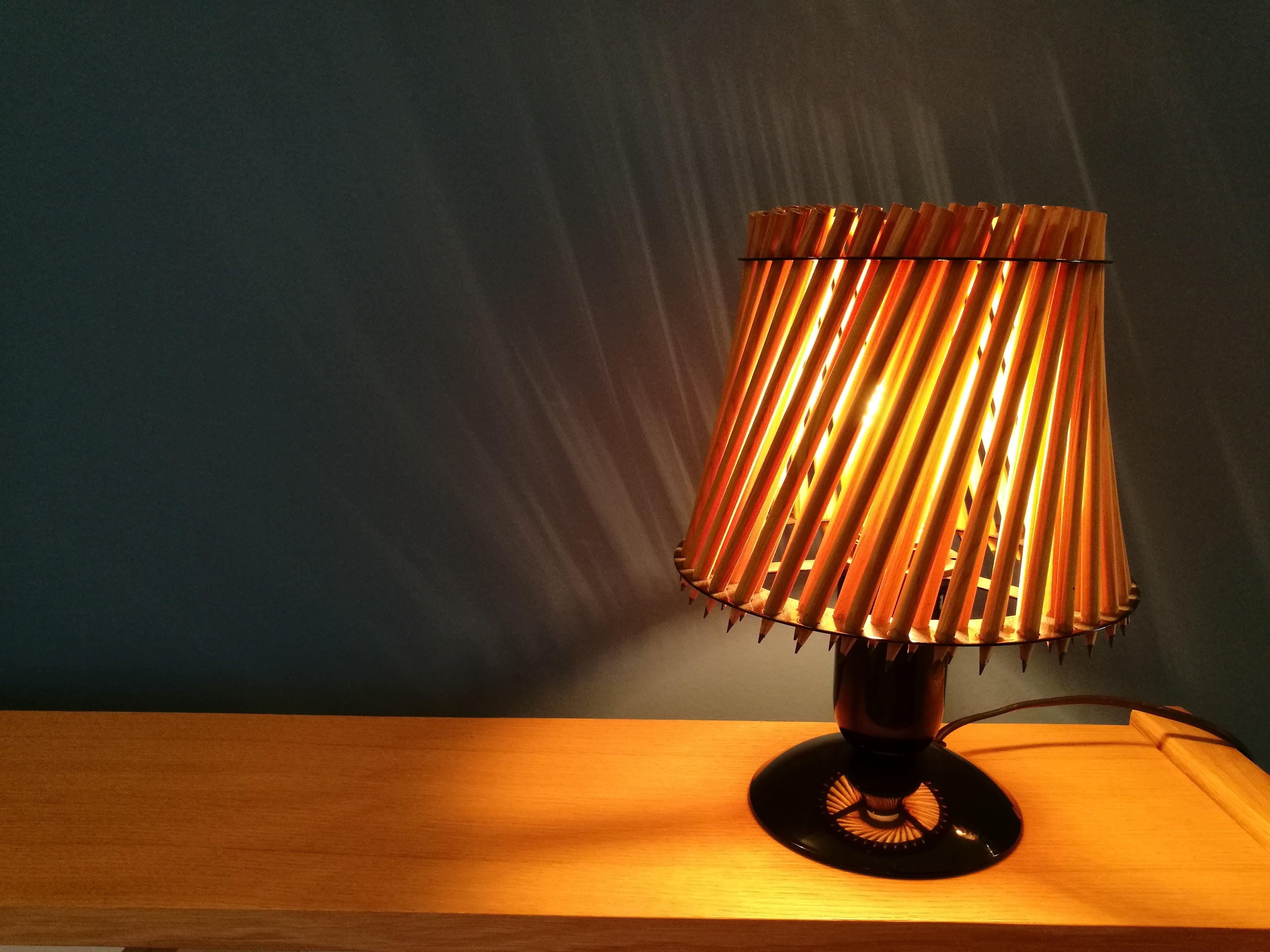 Ausgefallene Tischleuchte ausgefallene tischleuchte pencil lamp von tom rossau