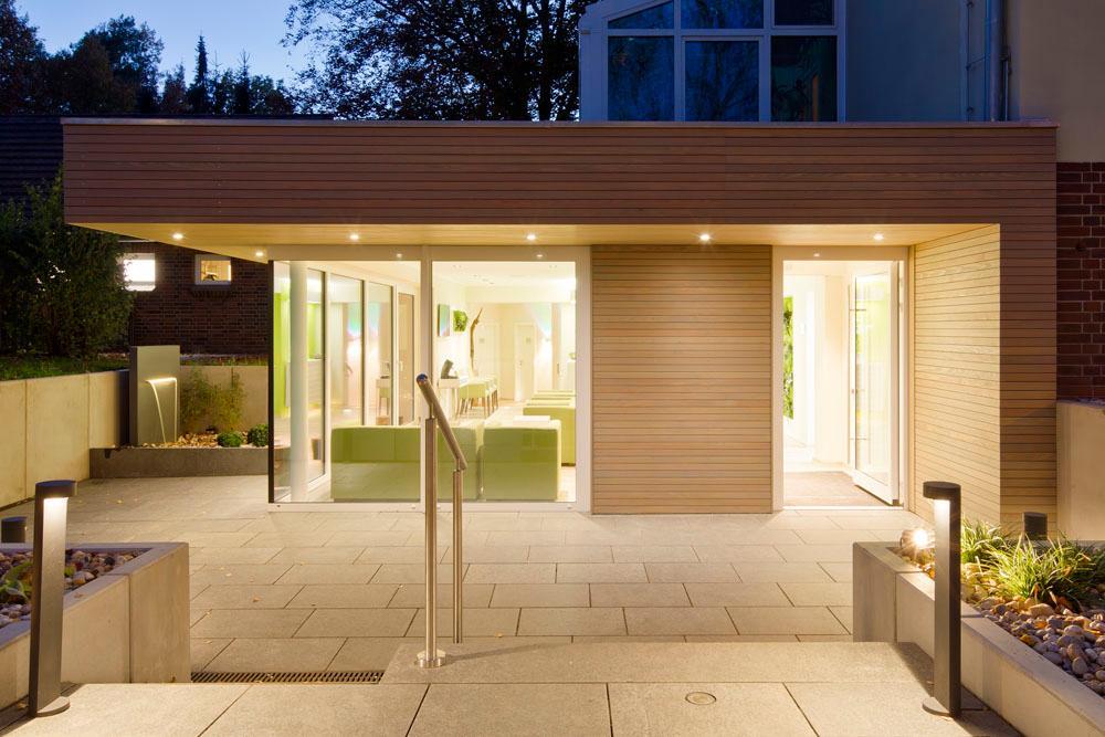Eingangsbereich außen modern  Außeneingangsbereich • Bilder & Ideen • COUCHstyle