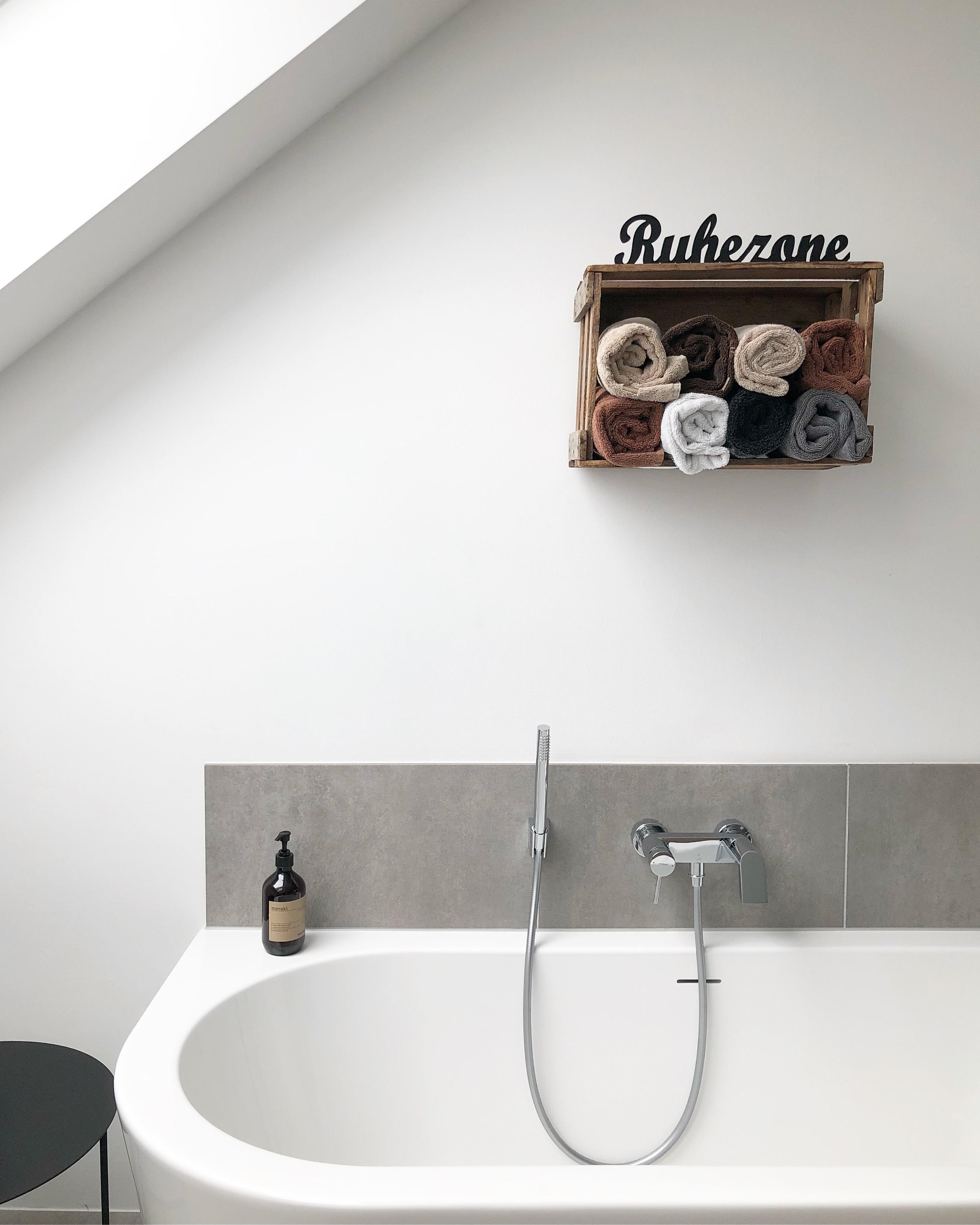 Auszeit ♡ #badewanne #wanne #badezimmer #ruhezone #dachschräge #holzkiste