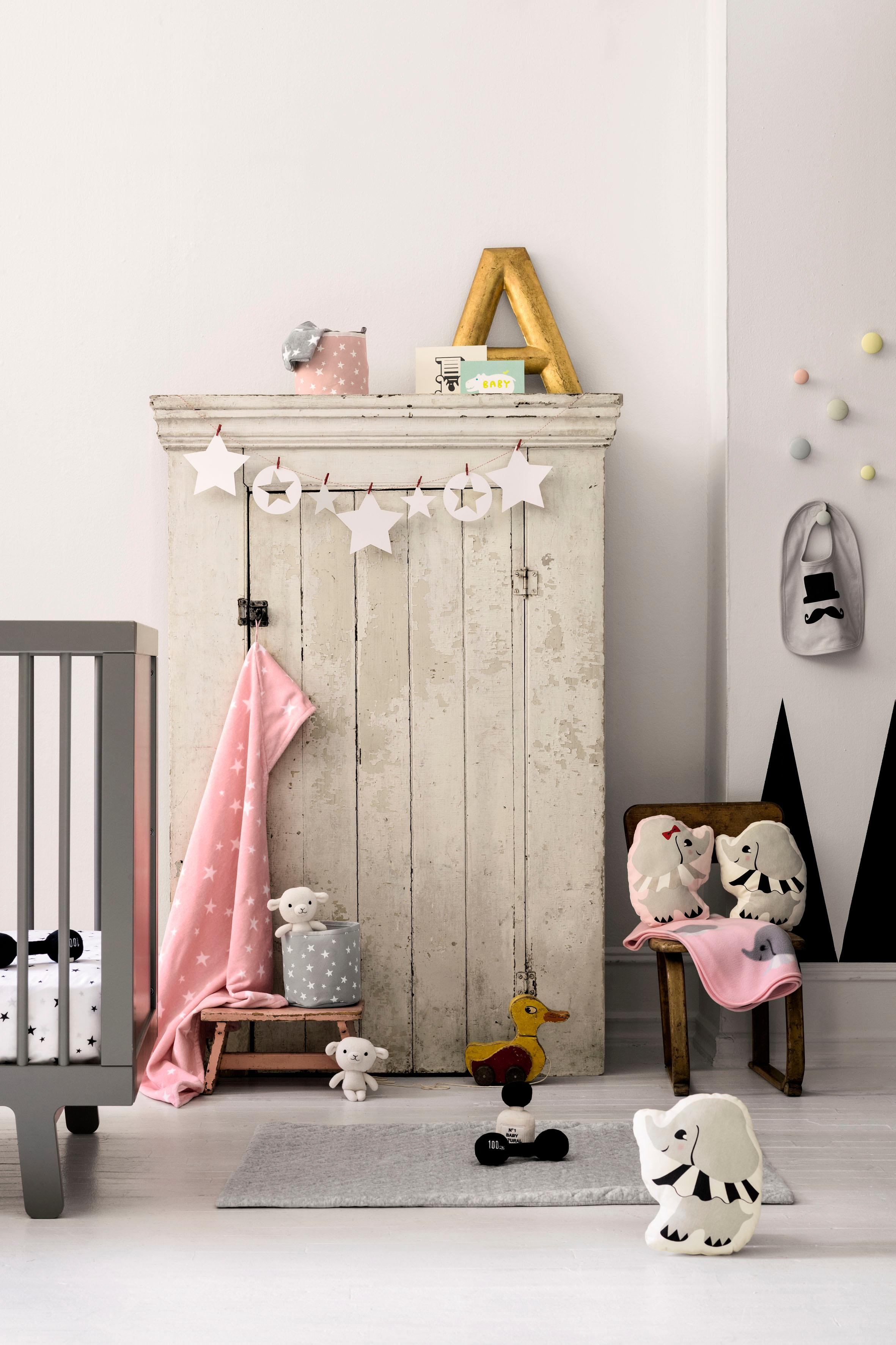 Babyzimmer Mit Vintage Möbeln #babybett #babyzimmer ©Hu0026amp ...