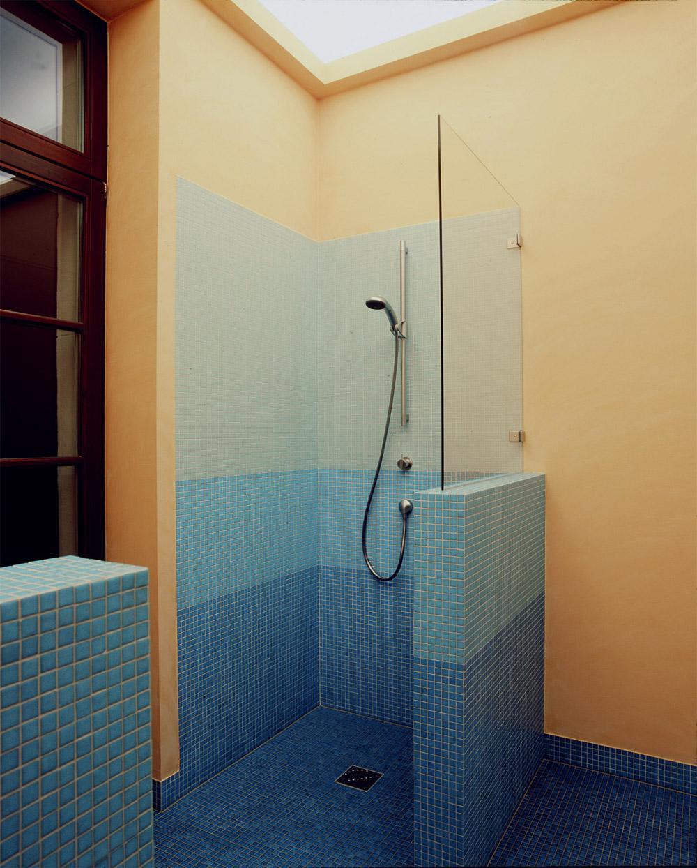 Bad Im Altbau   Dusche #mosaikfliesen #dusche ©Alistair Overbruck