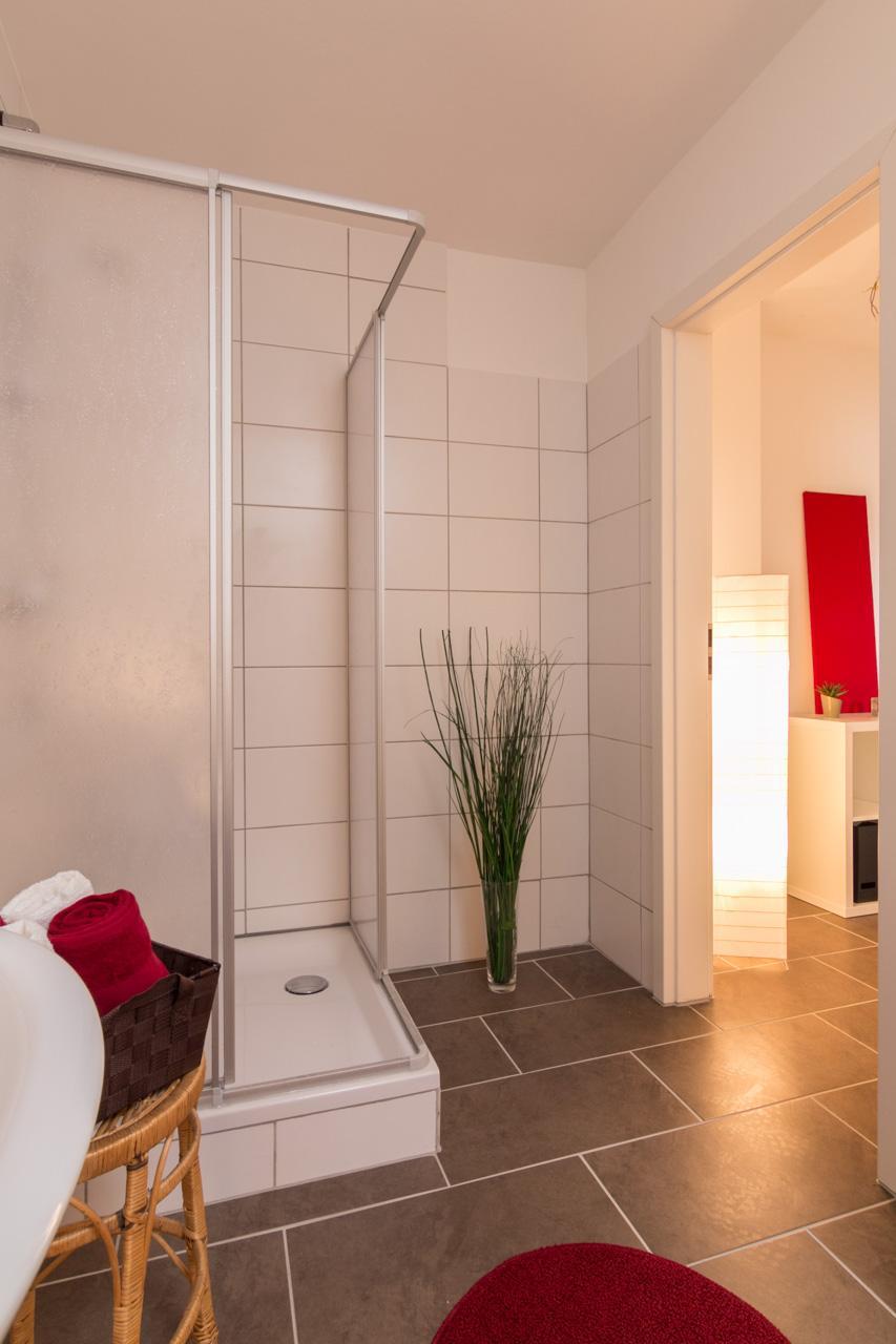 Bad nachher #beistelltisch #bad #teppich #badezimmer...