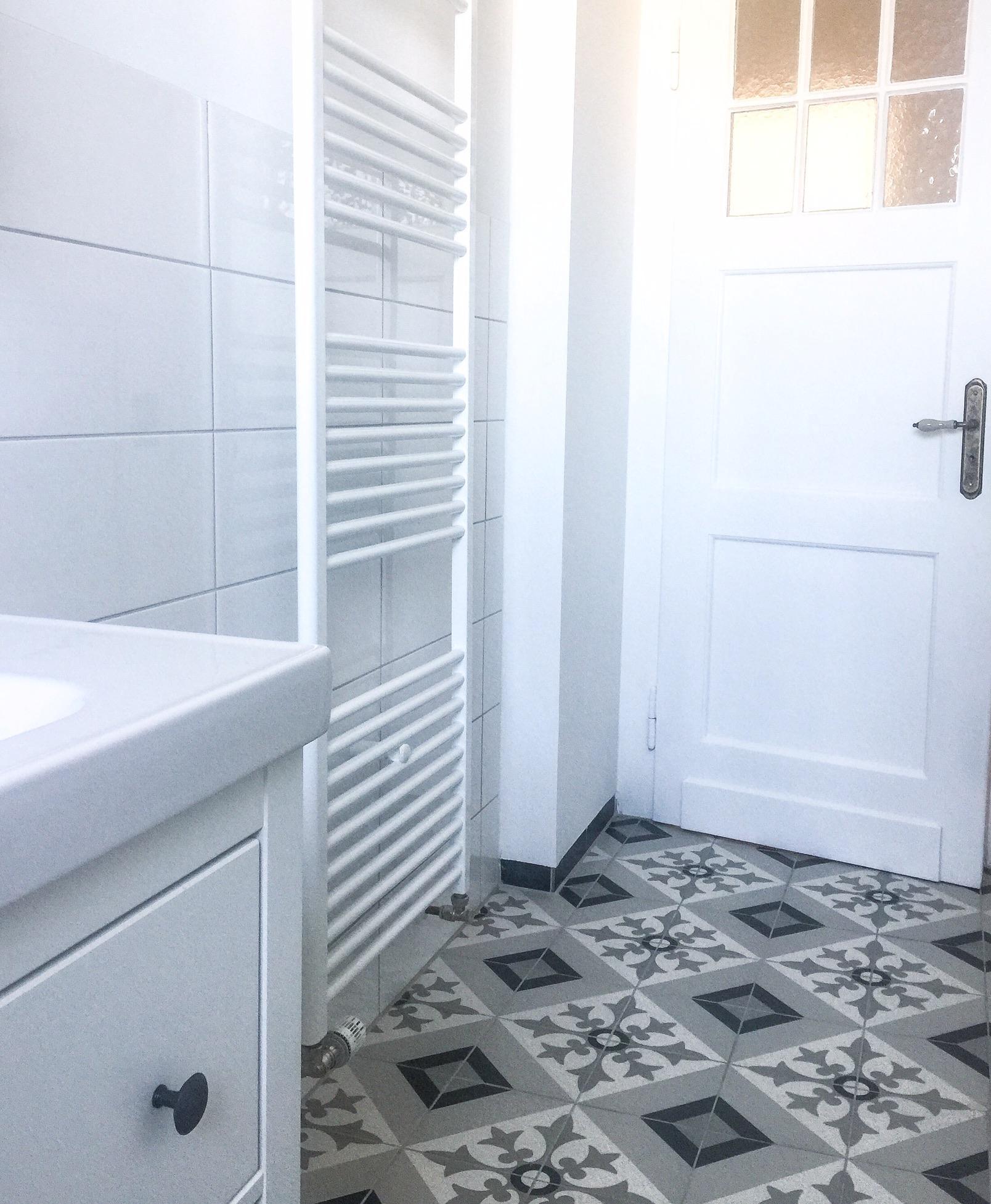 Super bad #vintage #altbau #altbauliebe #fliesen #tiles #... IO93