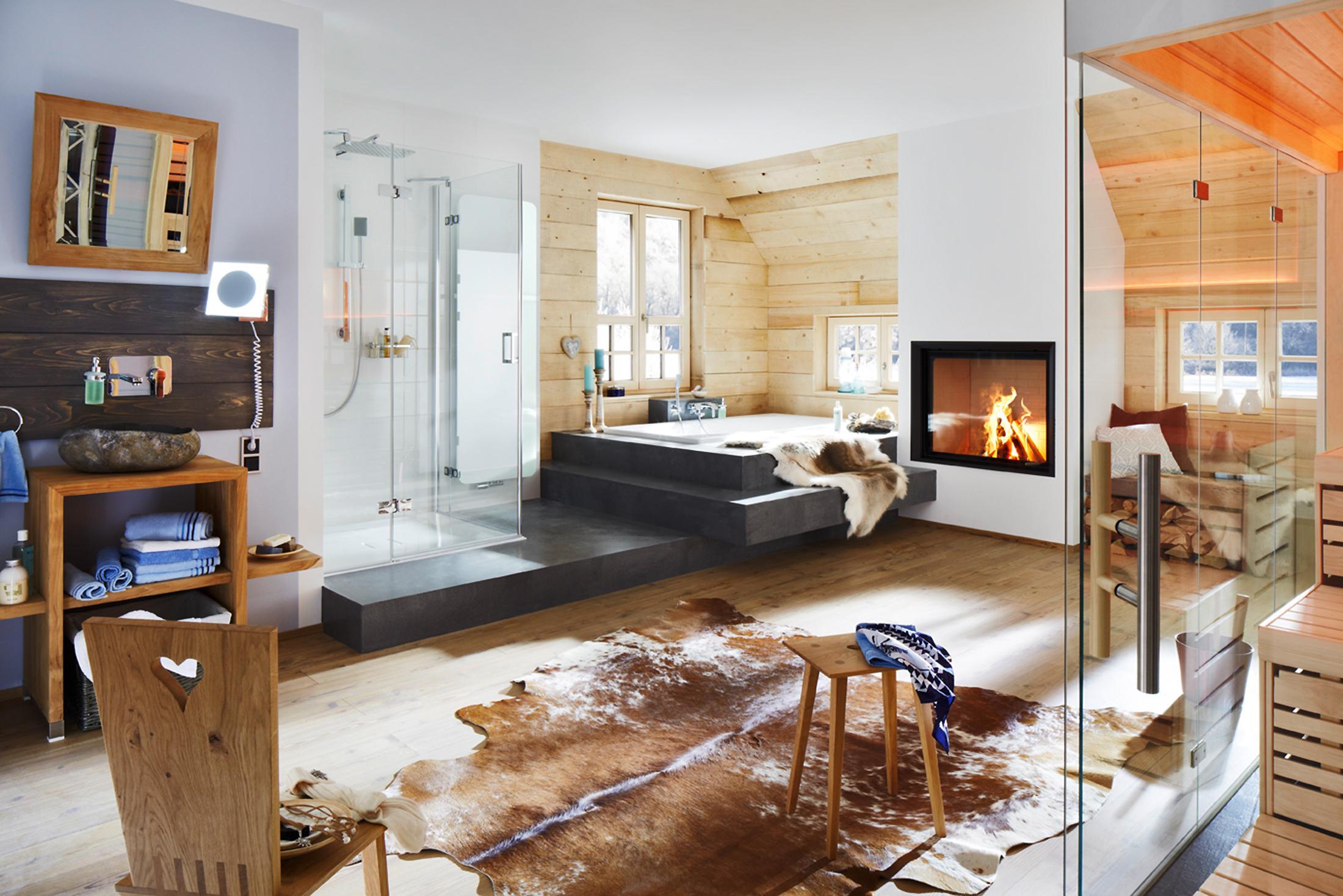 Badezimmer mit uriger Atmosphäre #stuhl #hocker #tep...