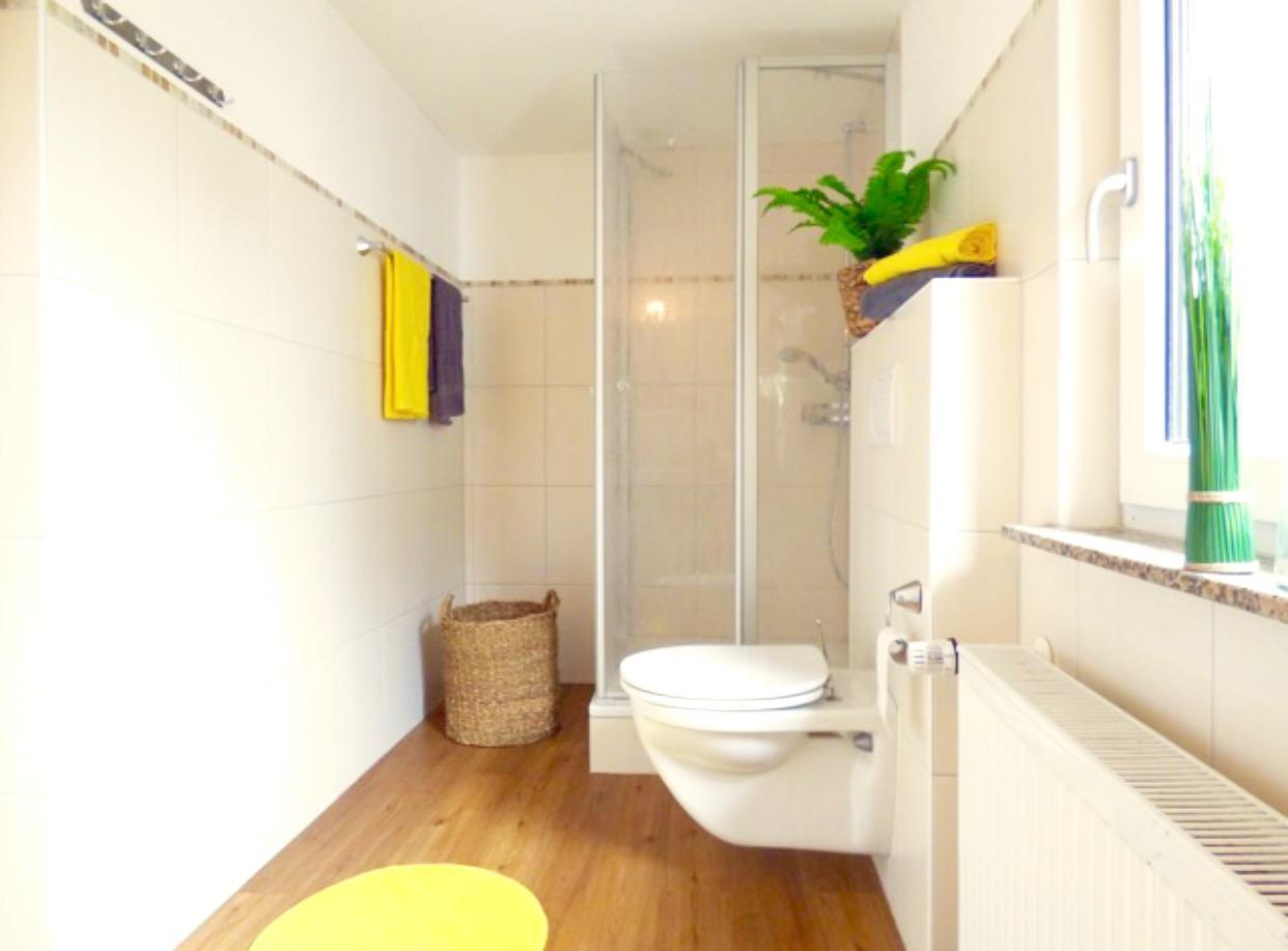deko ideen badezimmer wohndesign. Black Bedroom Furniture Sets. Home Design Ideas
