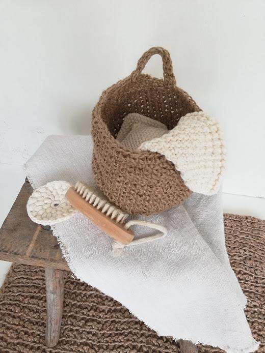 Badutensilien aus natur pur scandihome nature bad bathroom sisal diy nordichome holzhocker  8747f0b5 b7dc 48c7 9fed e5a0555341e9