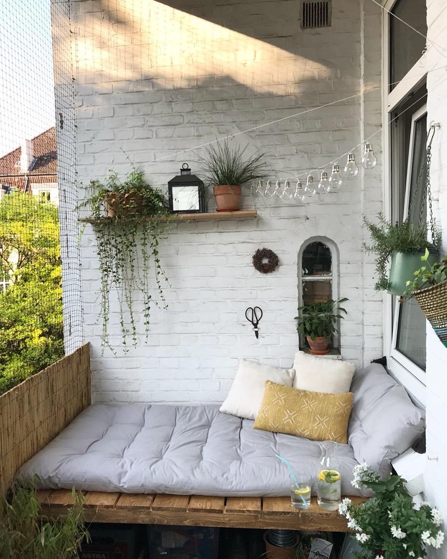 Balkonliebe Summer Balkon Bohemian Couch