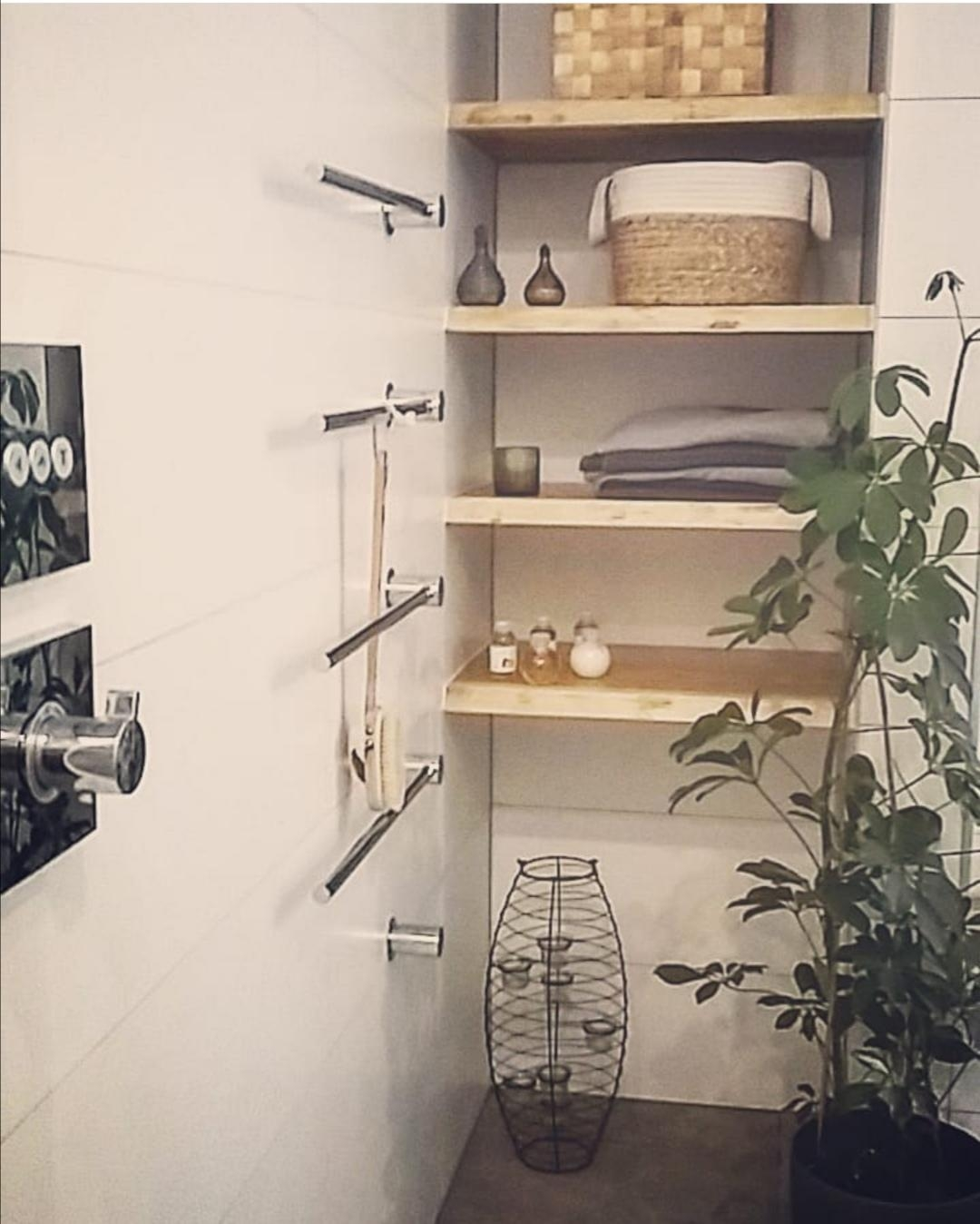 #bathroom #plants #plantsofinstagram #loveit #newhouse #homesweethome #holz #greenliving #naturmaterial #holzmöbel #inte