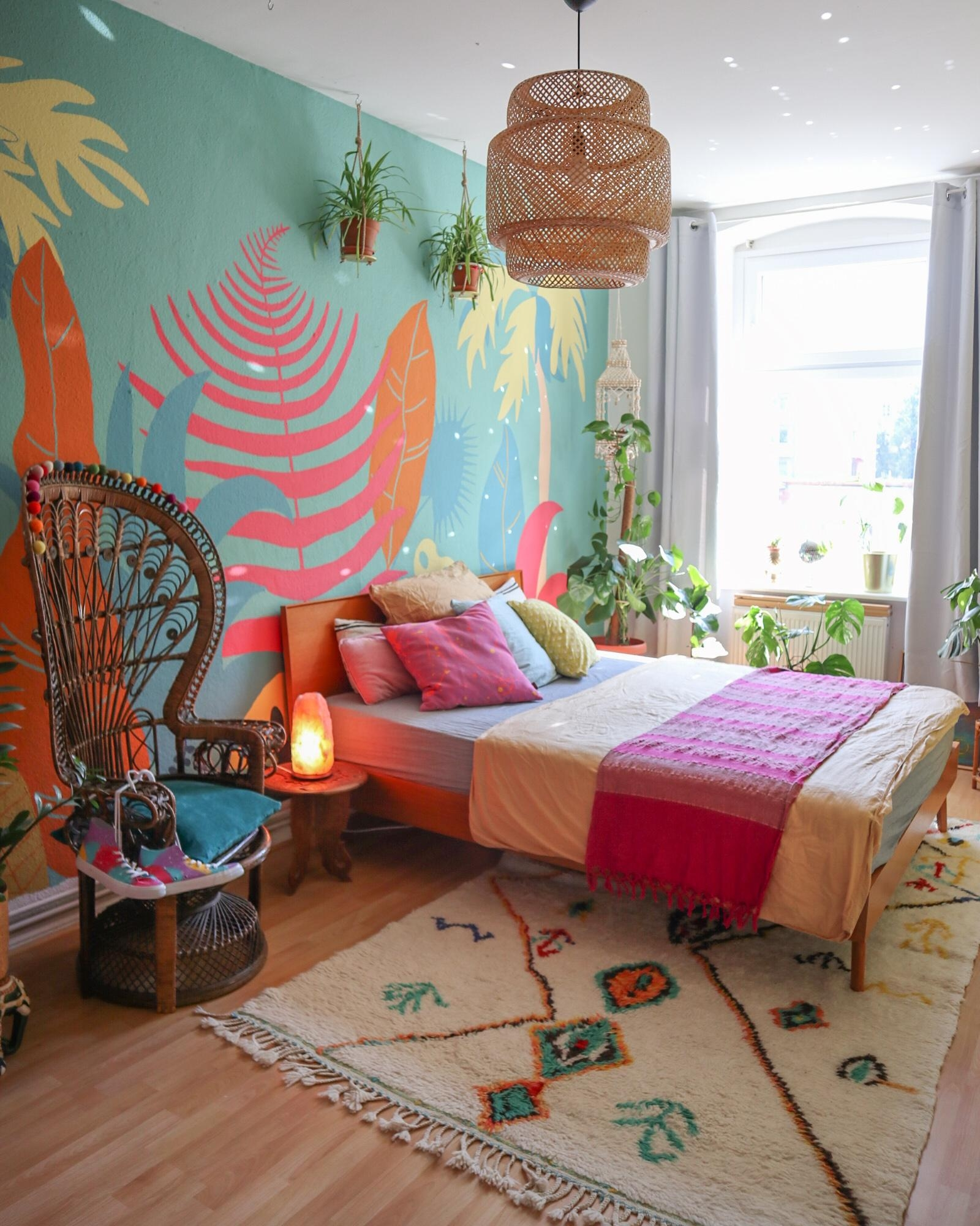Bedroom colorful wallpainting  2466fd1f fde4 42e5 a008 5d98c06cc1c8