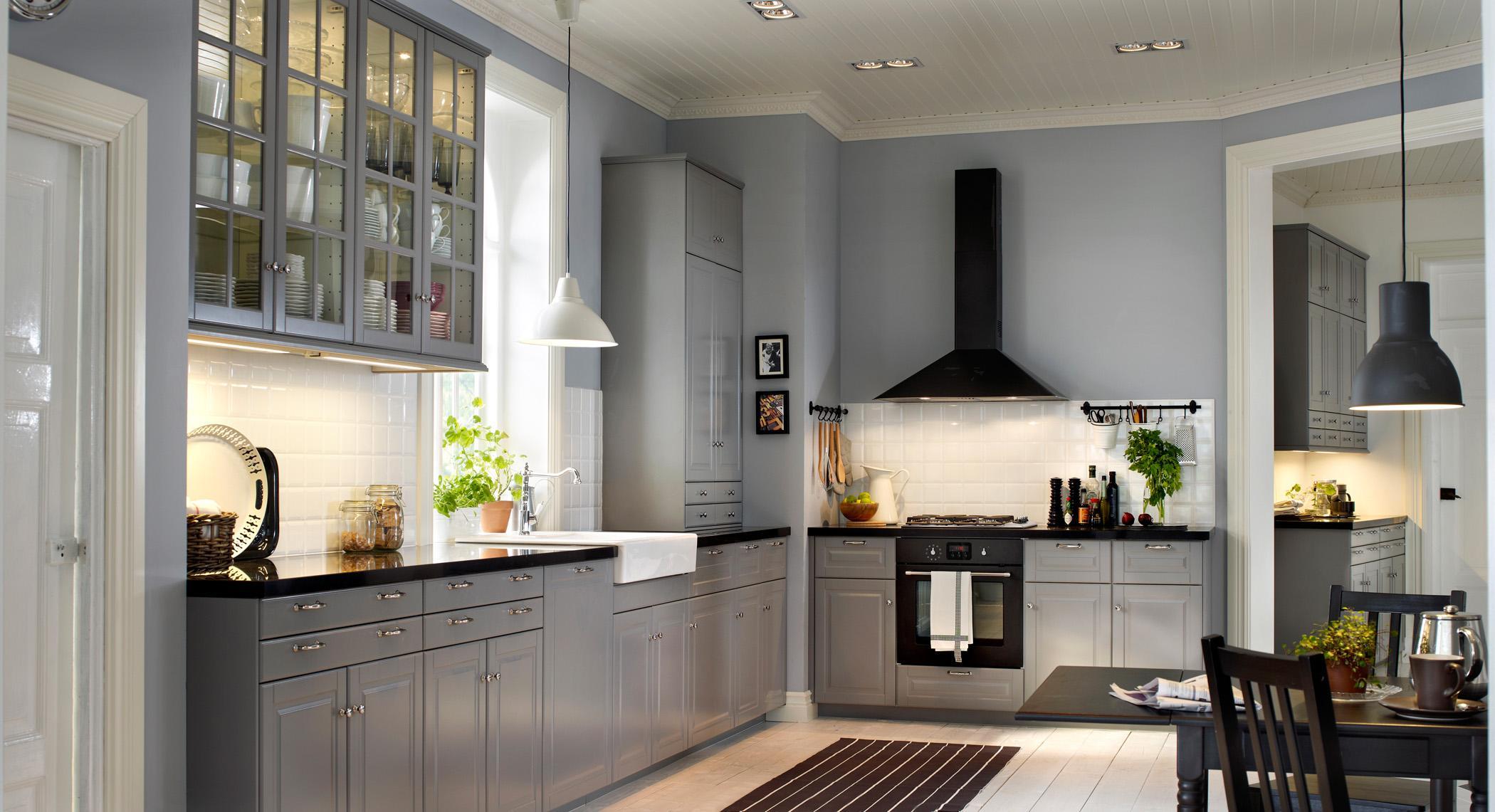 Beleuchtung in der Küche #teppich #esstisch #hängesc...