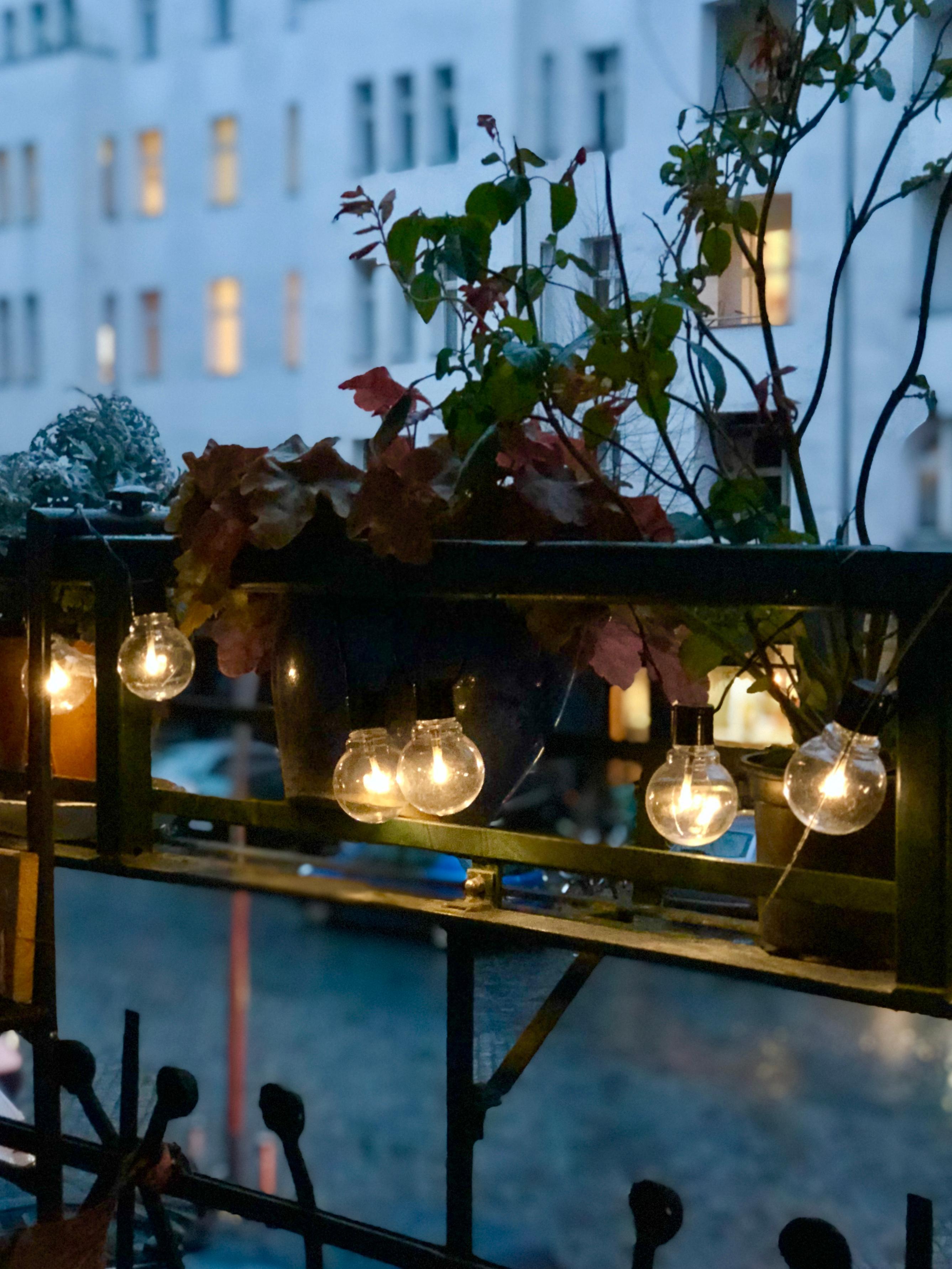 Balkon ideen so wird 39 s gem tlich im zweiten wohnzimmer - Winterdeko balkon ...