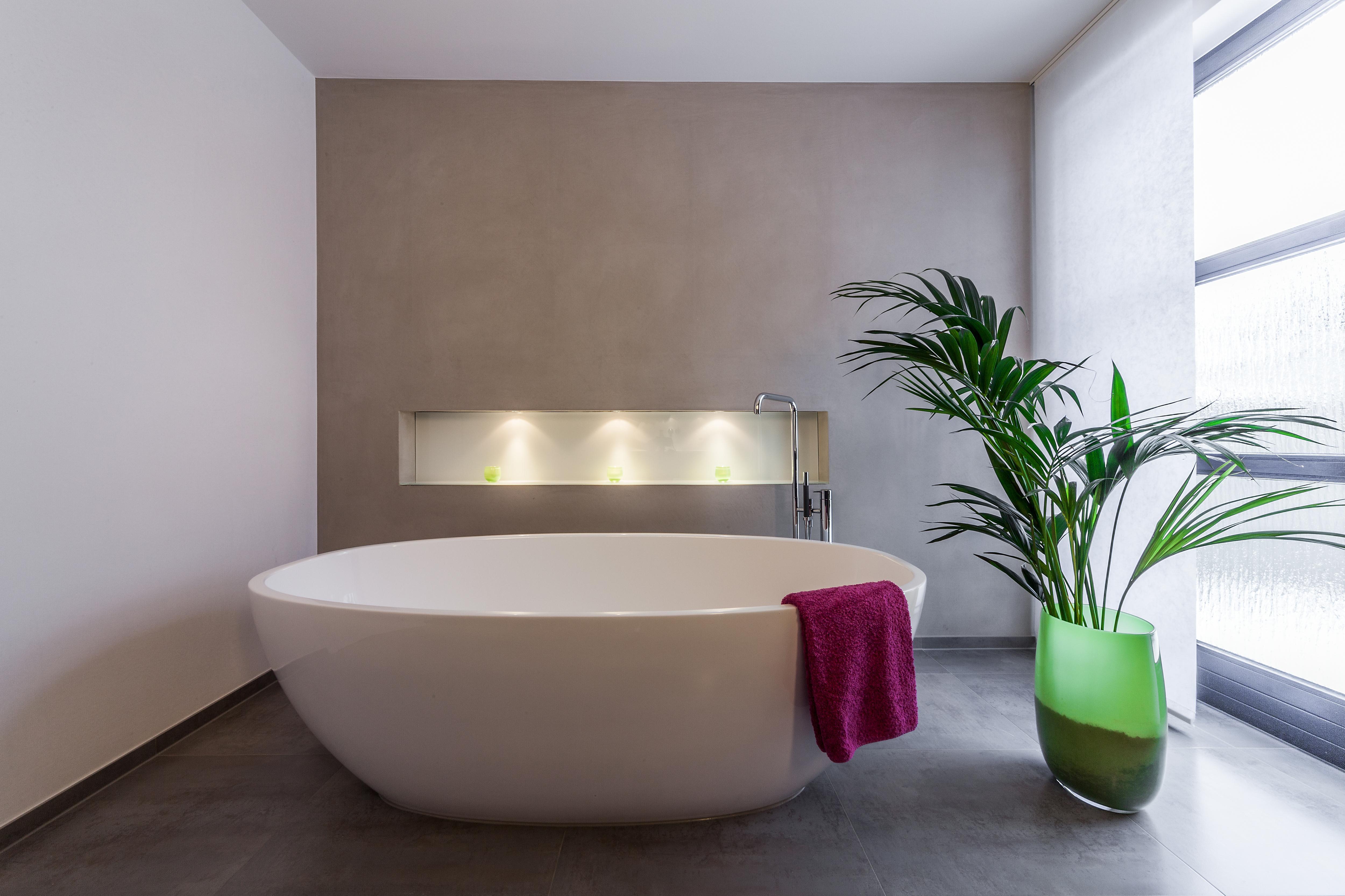 bestebadstudios badezimmer bad badewanne badsanierung modernesbadezimmer minimalismus - Badezimmer Bilder