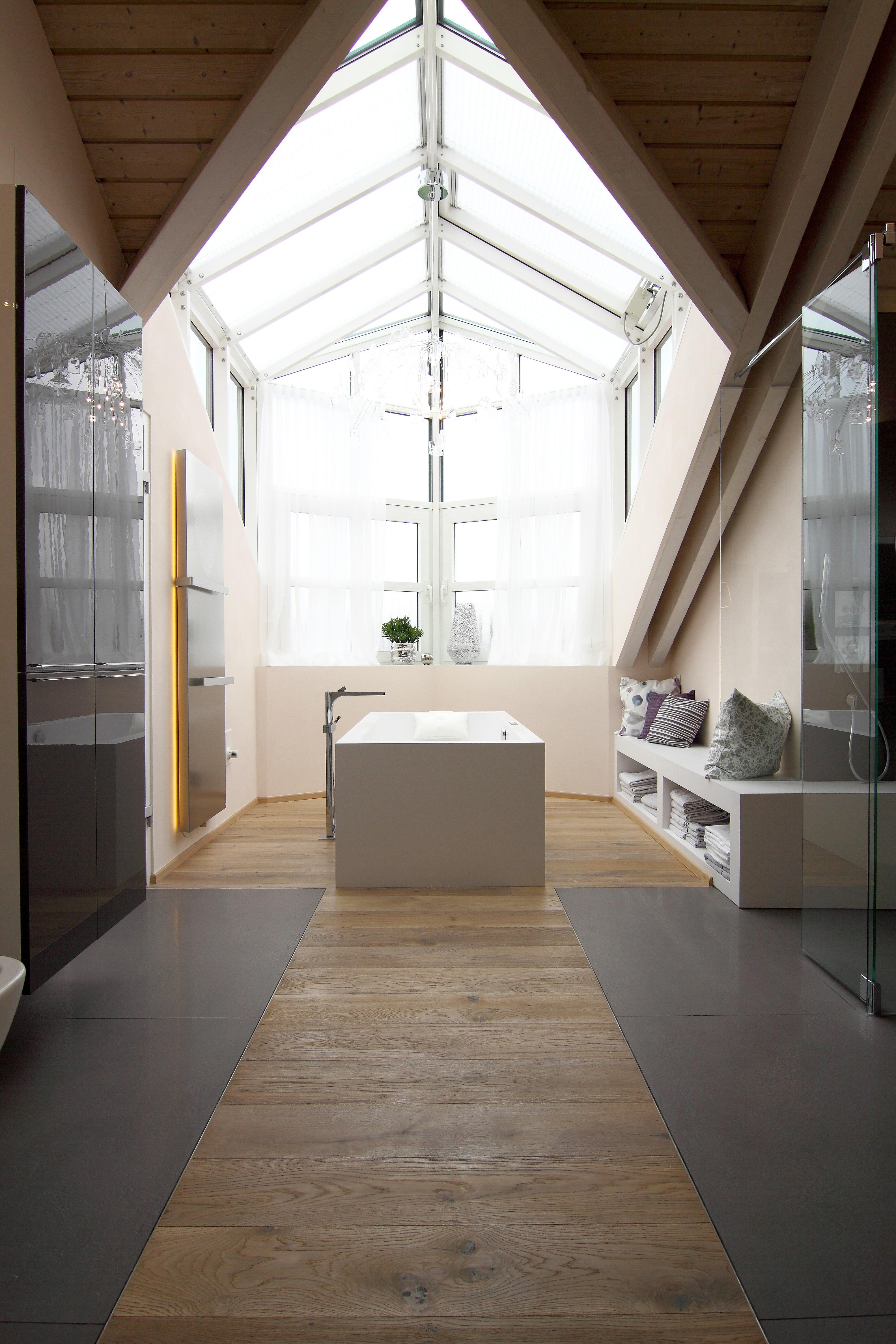 Bemerkenswert Badezimmer Badewanne Galerie Von #bestebadstudios #badezimmer #bad #badewanne #traumbad #wellness