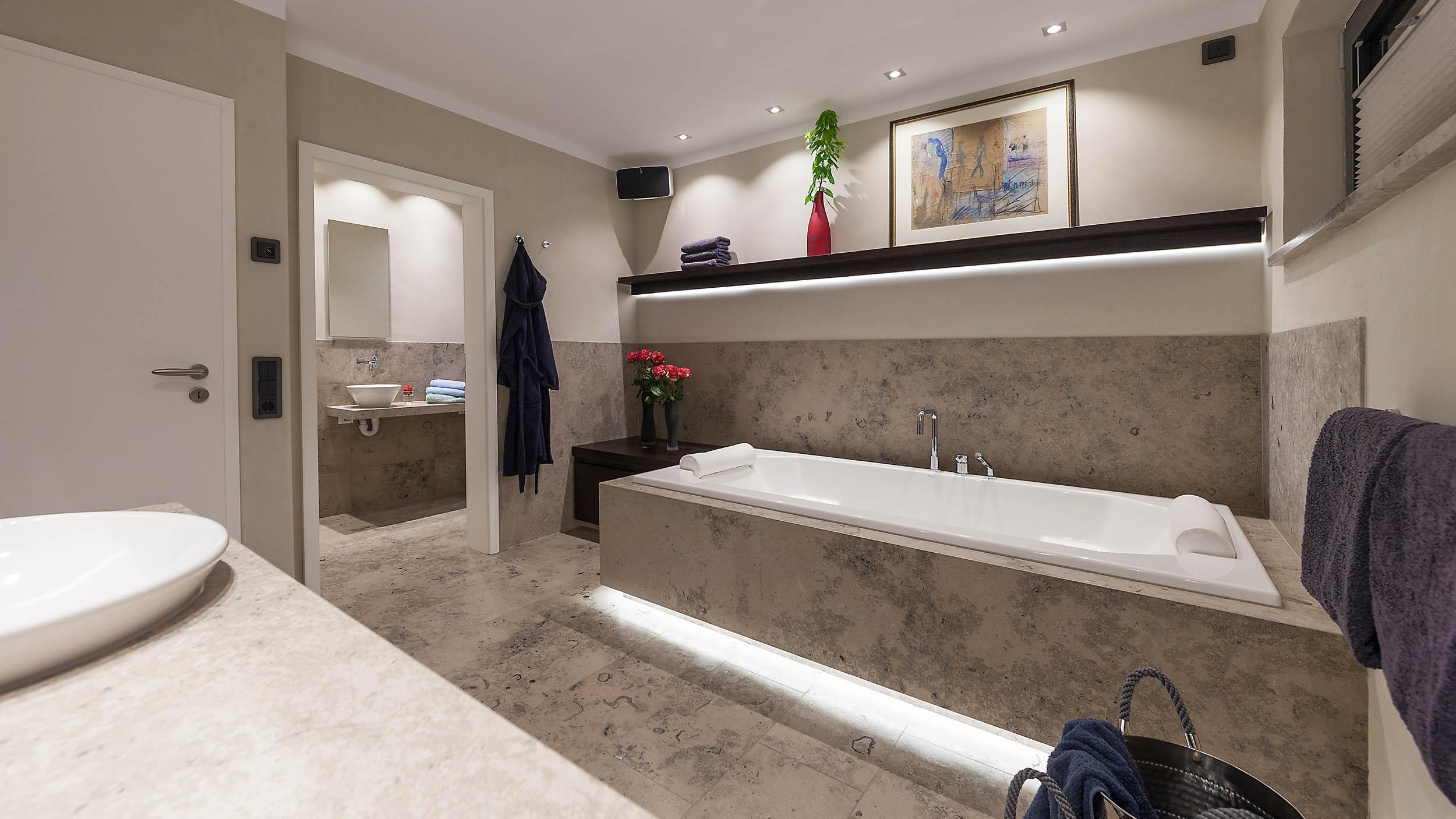 Moderne waschtische bad perfect moderne neues badezimmer einrichten waschtisch ablageflche - Oberlicht in wand einbauen ...