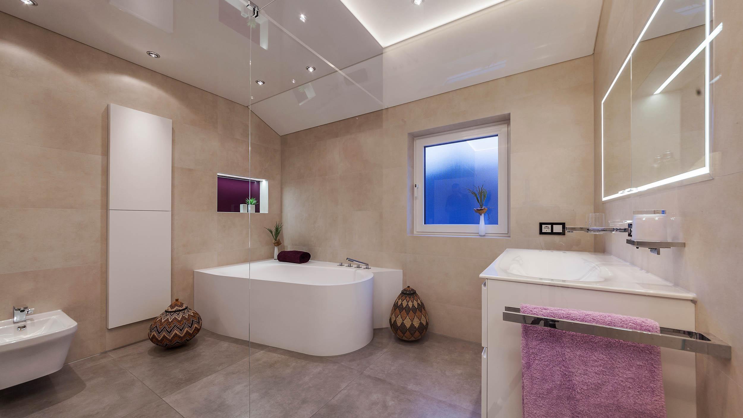 Astounding Badezimmer Design Galerie Von #bestebadstudios #badezimmer #bad #badewanne #wc #waschbecken #badmöbel