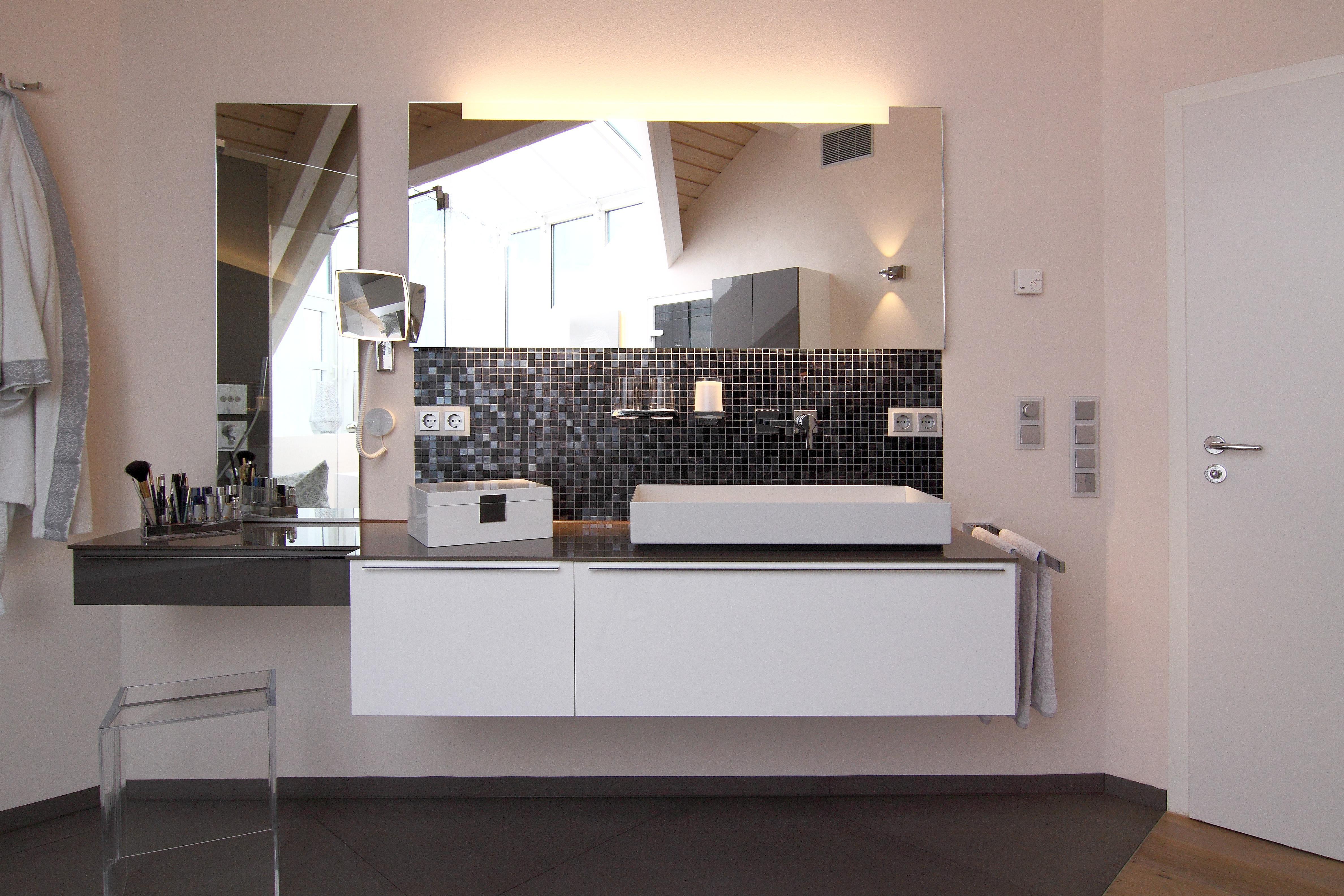 #bestebadstudios #badezimmer #bad #badmöbel #baddeko #spiegel #waschbecken