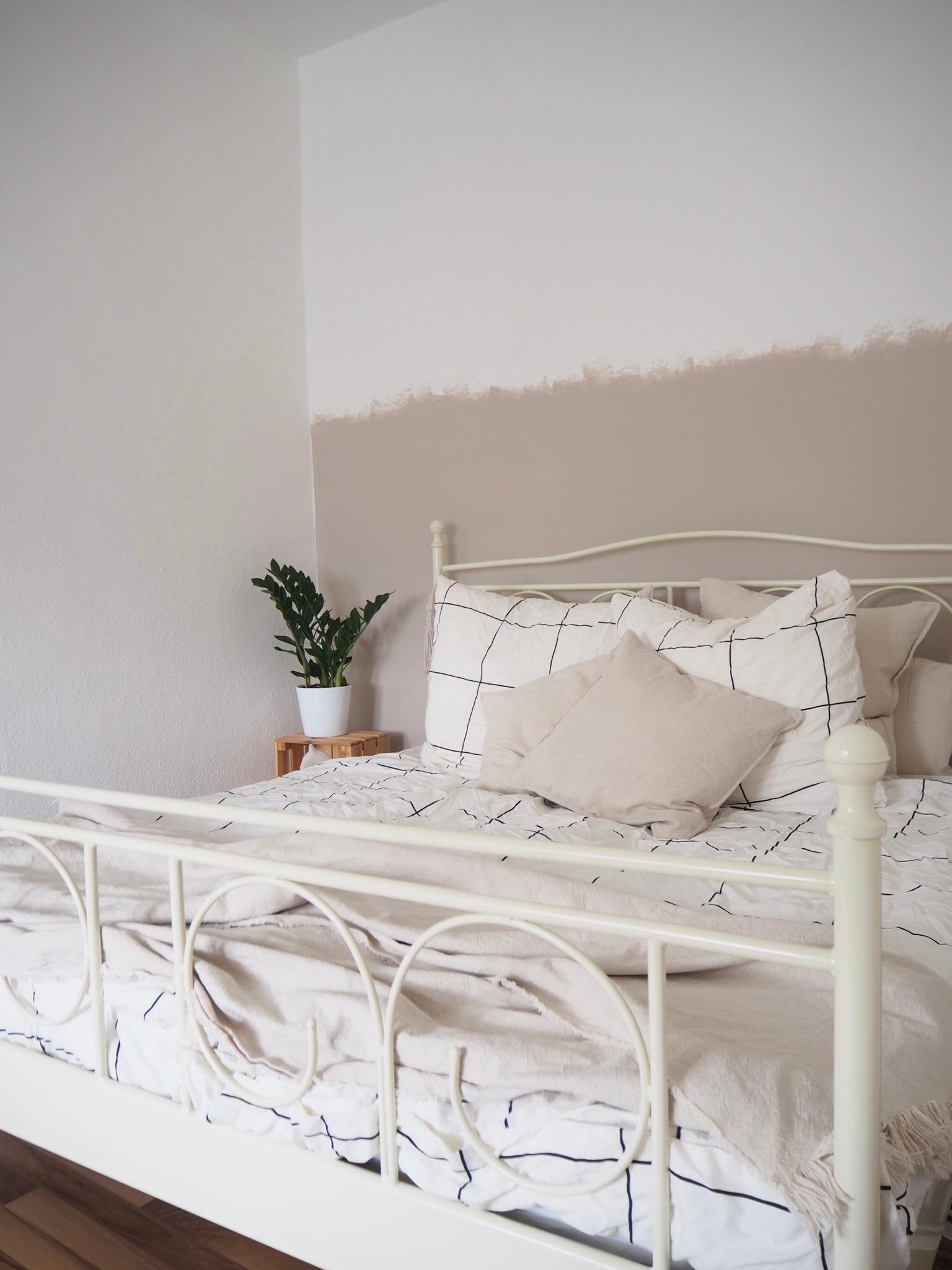Bett Wandfarbe Beige Undonewall Schlafzimmer N
