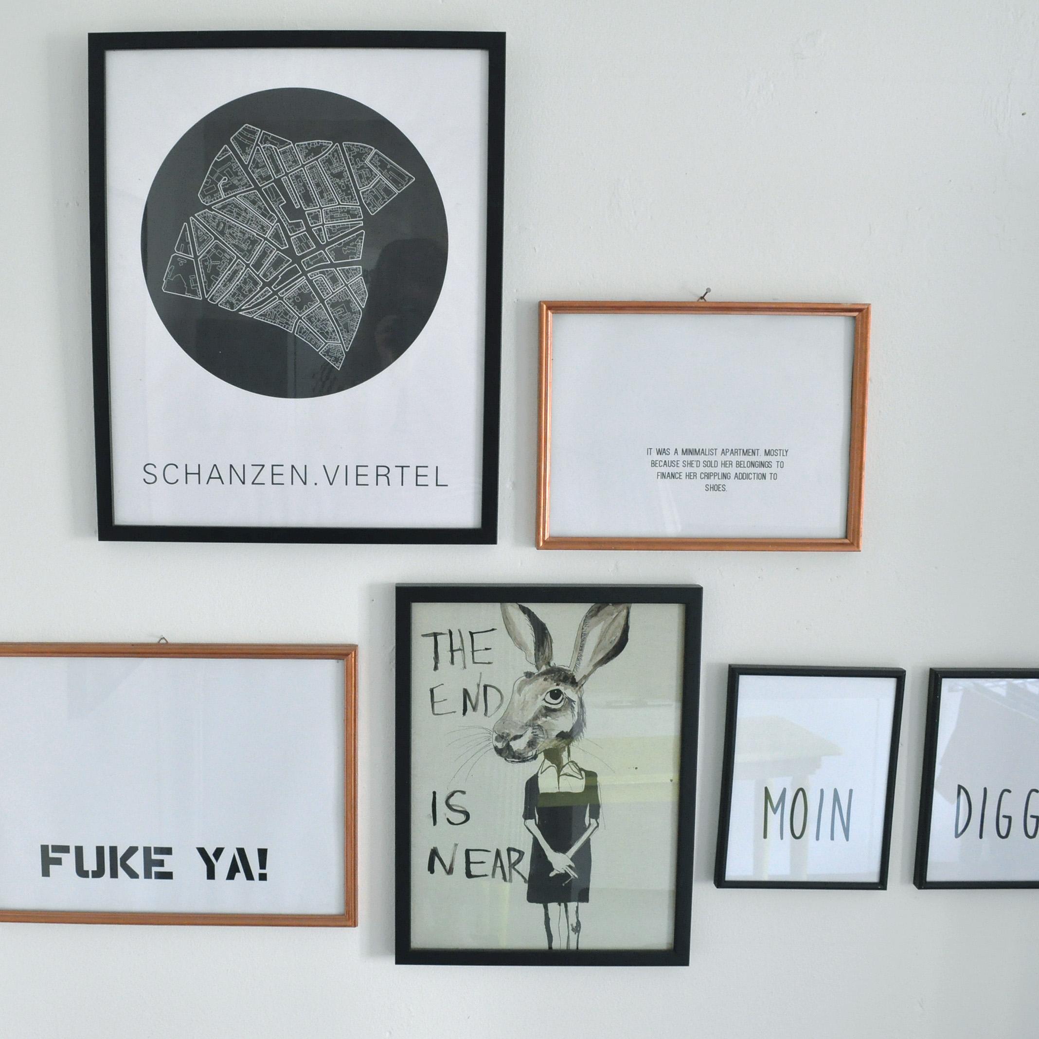 bilder #wohnzimmer #deko #schwarzweiß • COUCH