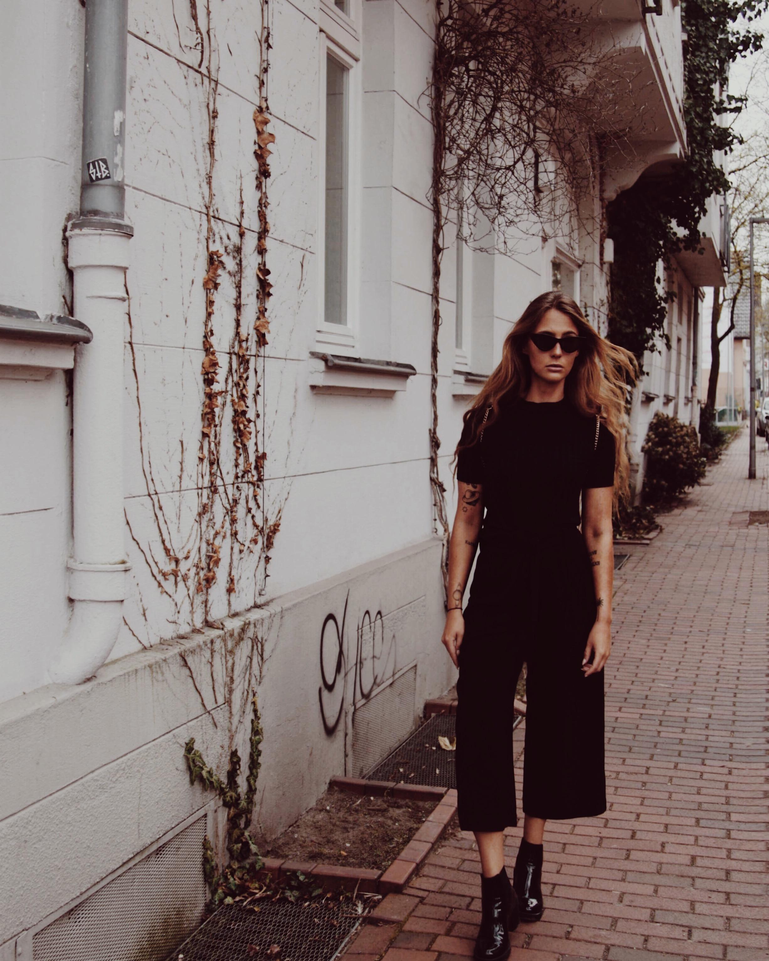 Black is always a right choice #allblack #fashion #ootd #streetstyle