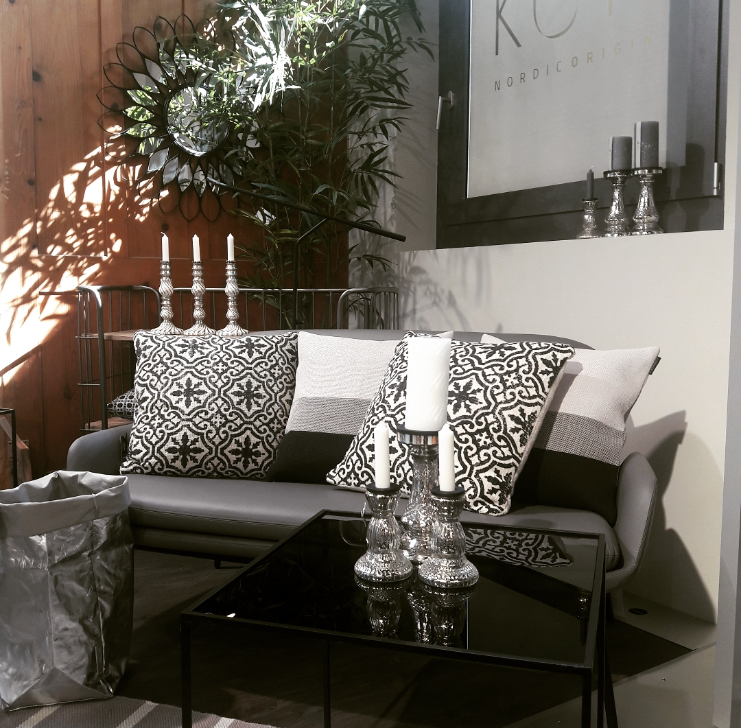 BLACK&WHITE