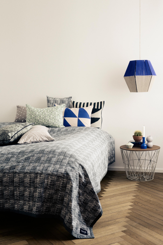 Blau Weiße Leuchte Im Schlafzimmer #diy #lampion #berlinstyle ©Ferm Living