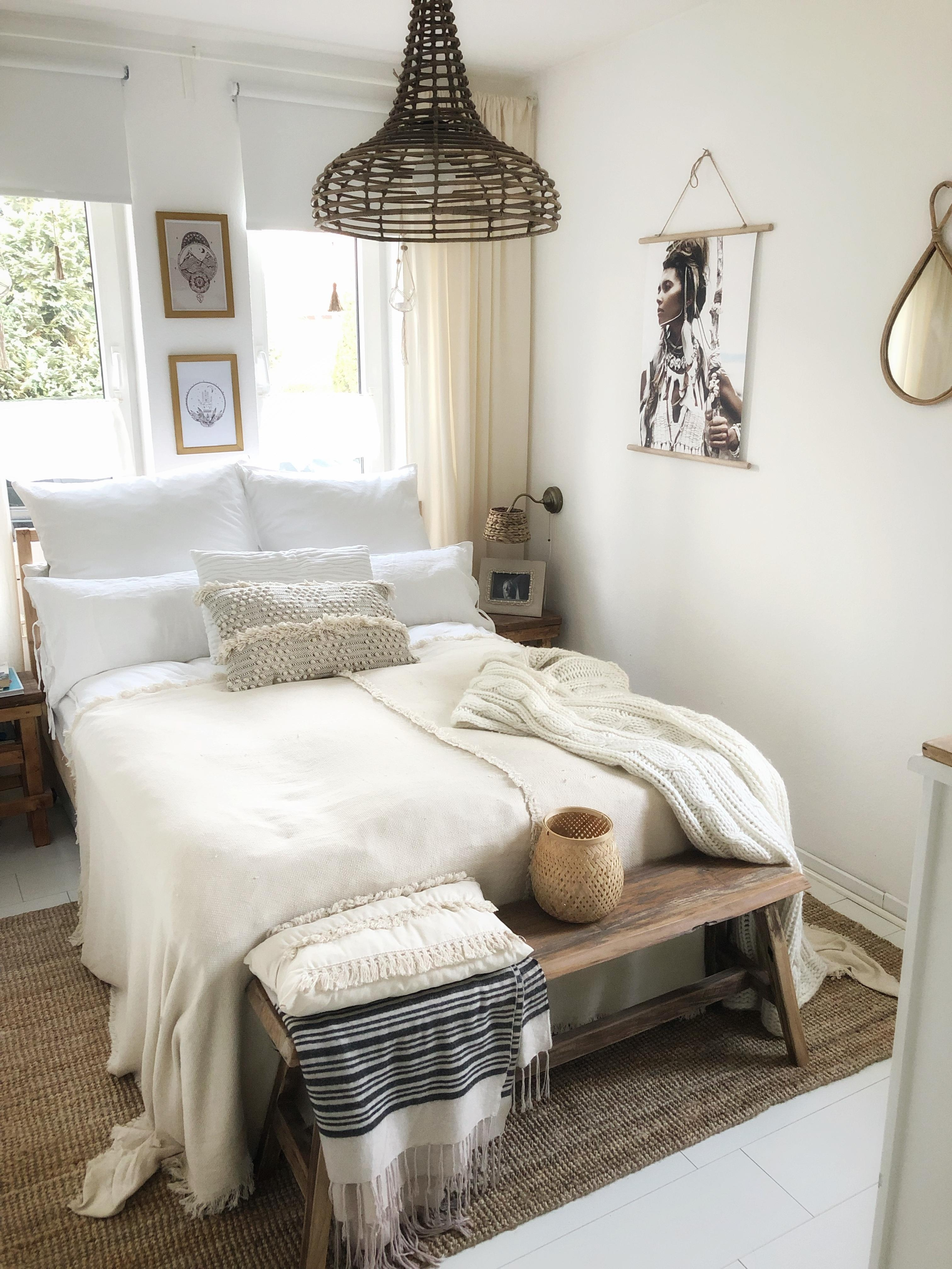 Blick ins Schlafzimmer 
