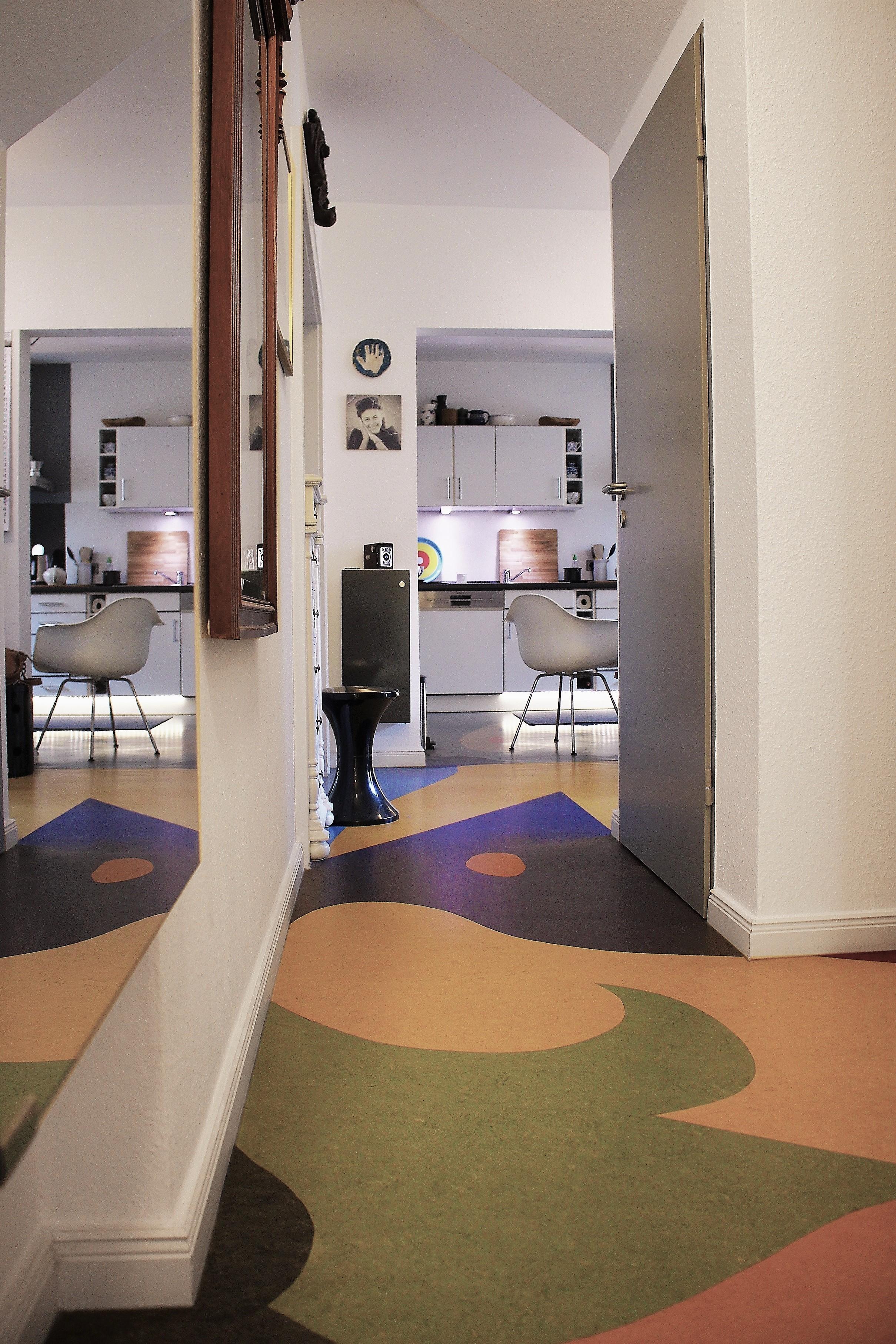 Blick Vom Flur In Die Kueche Flur Kueche Farben Bunt Linoleum Spiegel  Gestalten Formen Muster Eklektisch