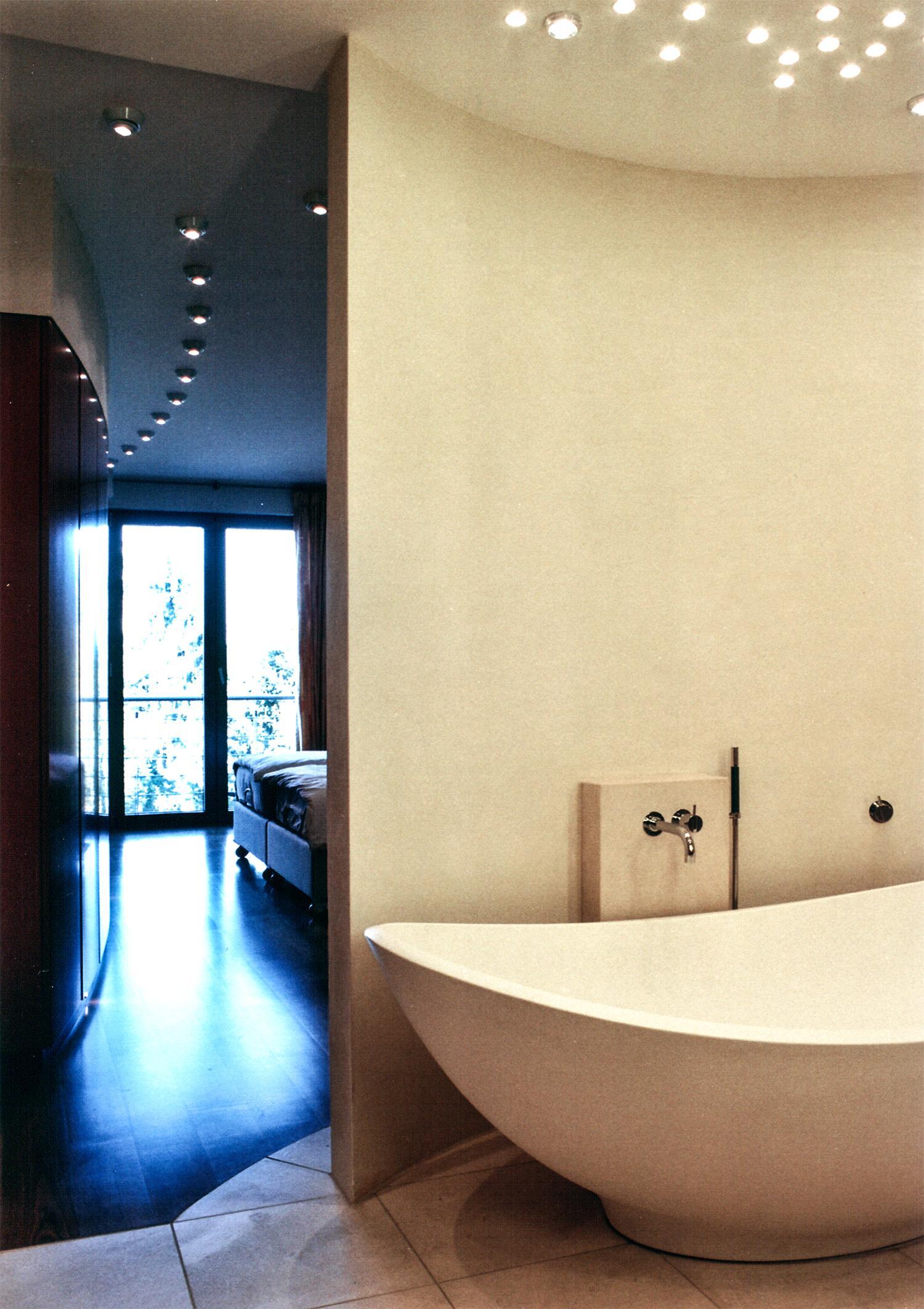 Blick zum Schlafraum #bad #badezimmer ©Werner Dielen...