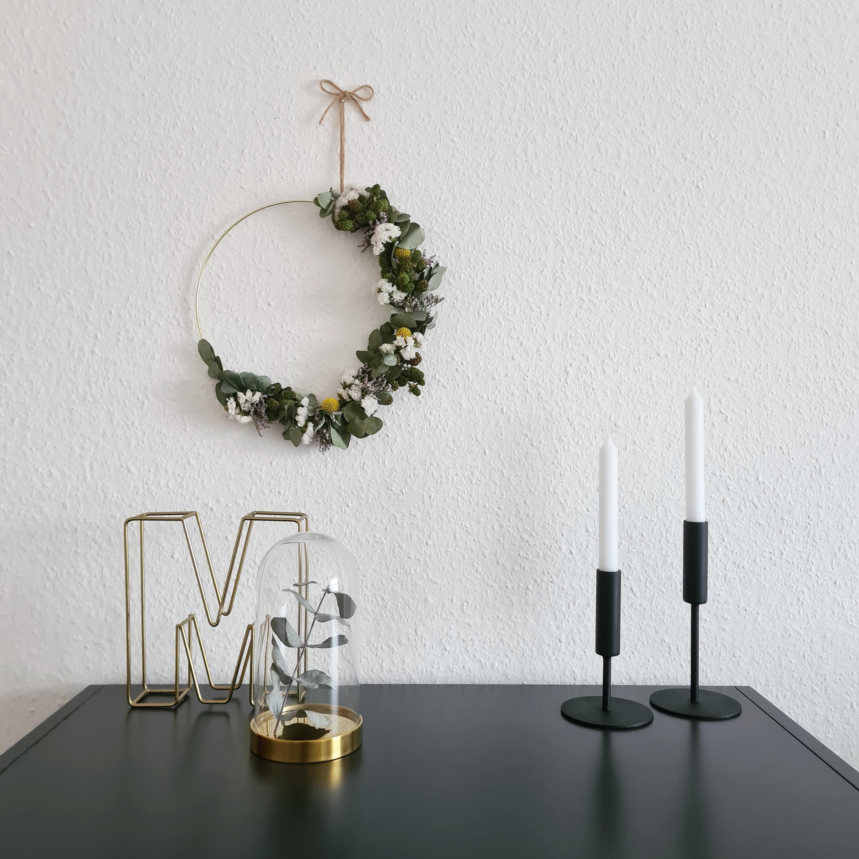 #blumenkranz #diy #flowerwreath #candles #hygge #scandistyle #monochromehome