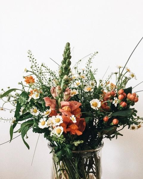 Blumenliebe. #flowers #flowerbouquet #blumen #home #interior #inspiration #urban #urbanjungle #wildflowers #decoration