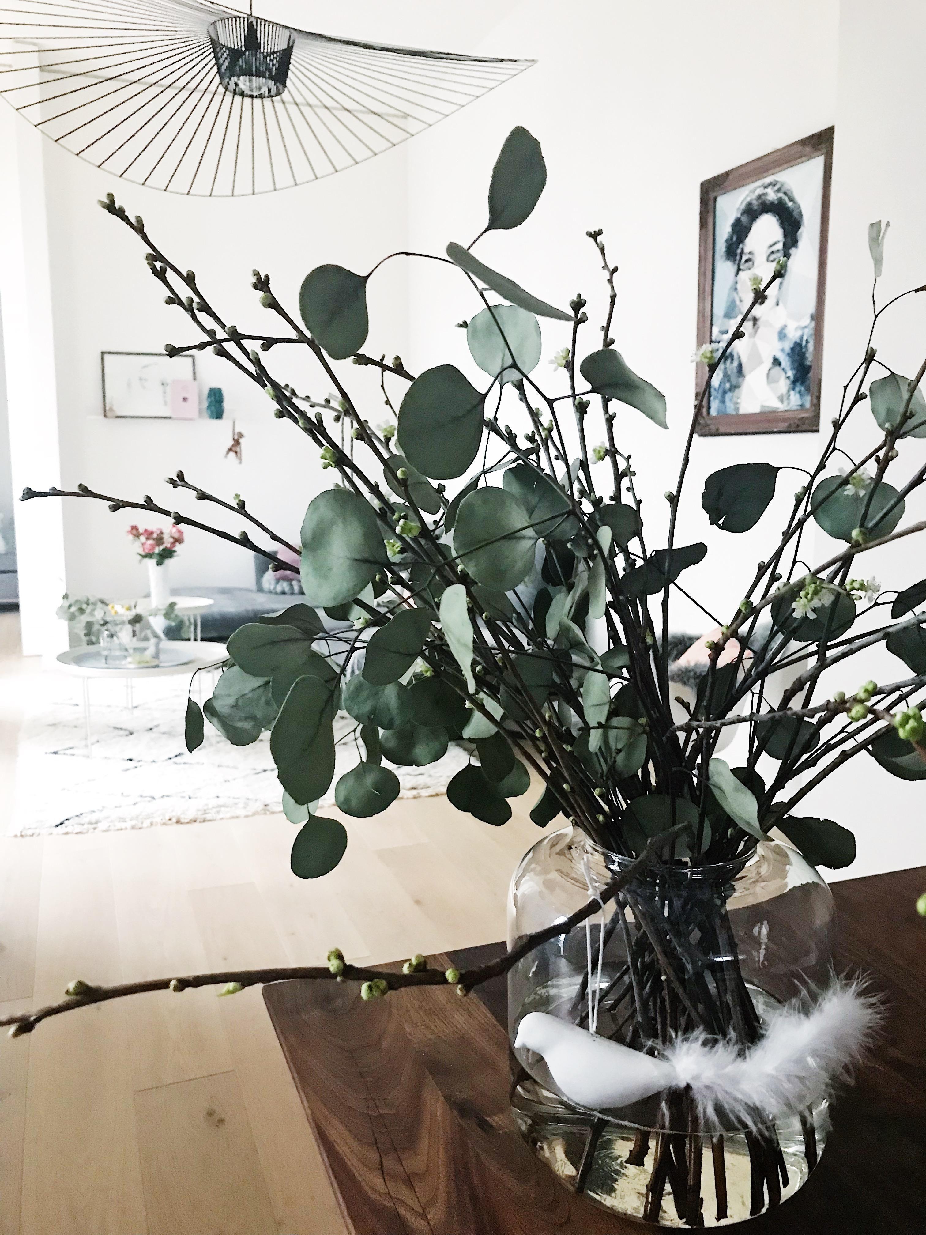 blumen#vase#kirschblüten#deko#wohnzimmer#vase • COUCH