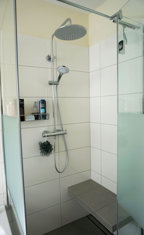 bodengleiche dusche mit sitzbank dusche sitzbank. Black Bedroom Furniture Sets. Home Design Ideas