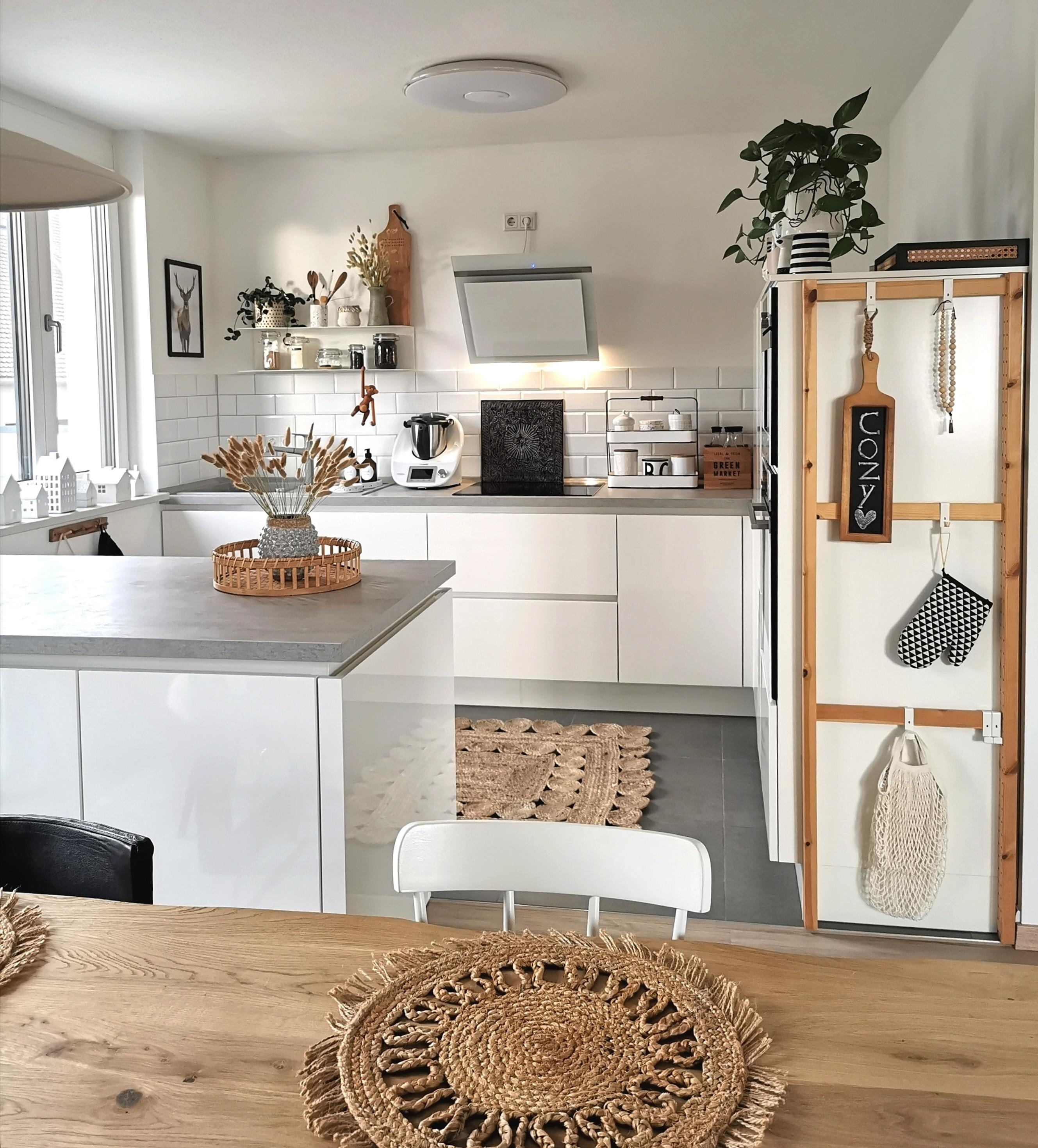 Boho feeling in der kueche  kuecheninspiration whitekitchen kitchenview boholove  8e19c4a9 9569 4d4f b2fb 23e01fcc8c44