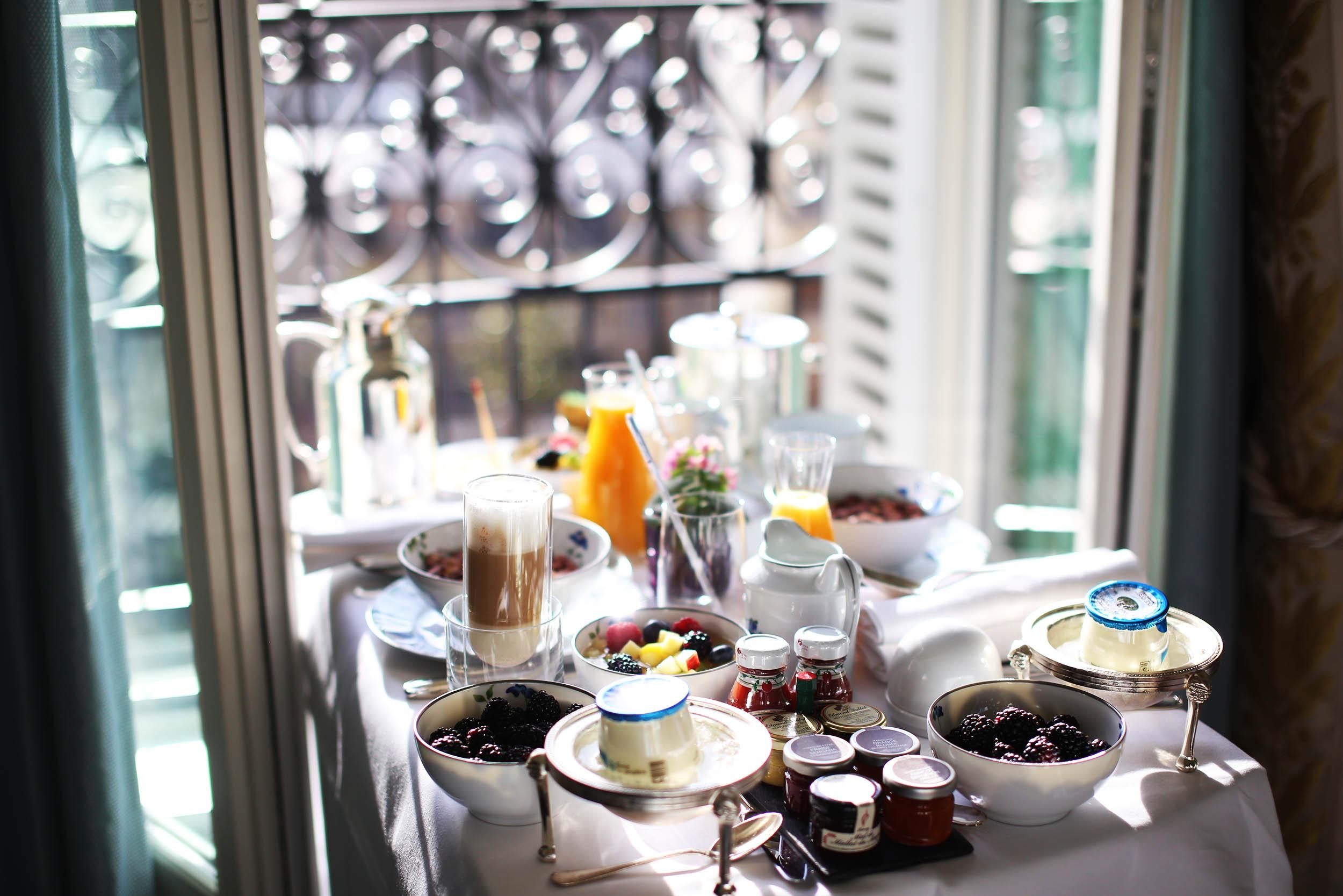 Breakfast ready! Happy Monday! 