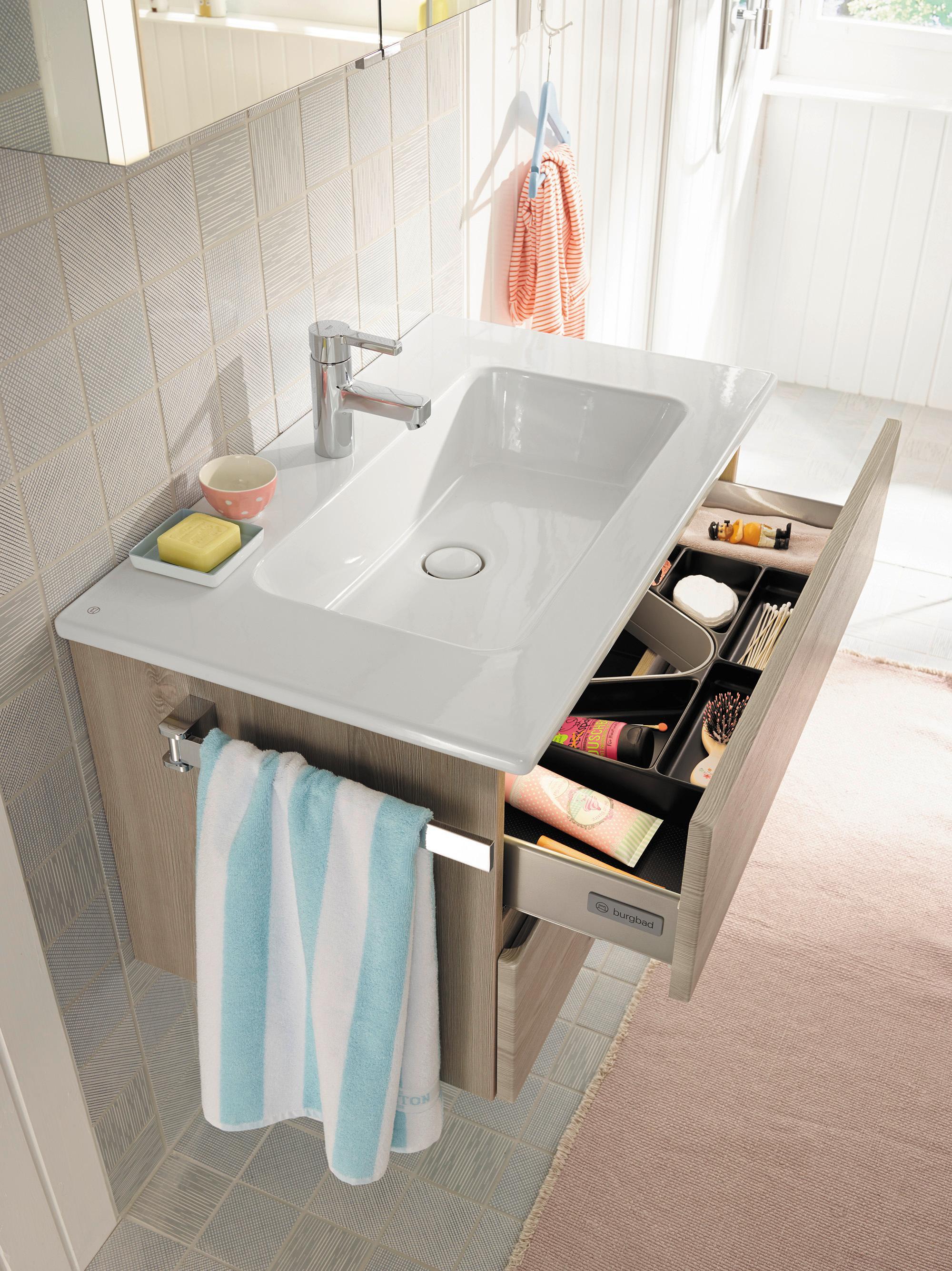 Waschbecken bad prisma waschbecken freistehend dreieck for Bad waschbecken design