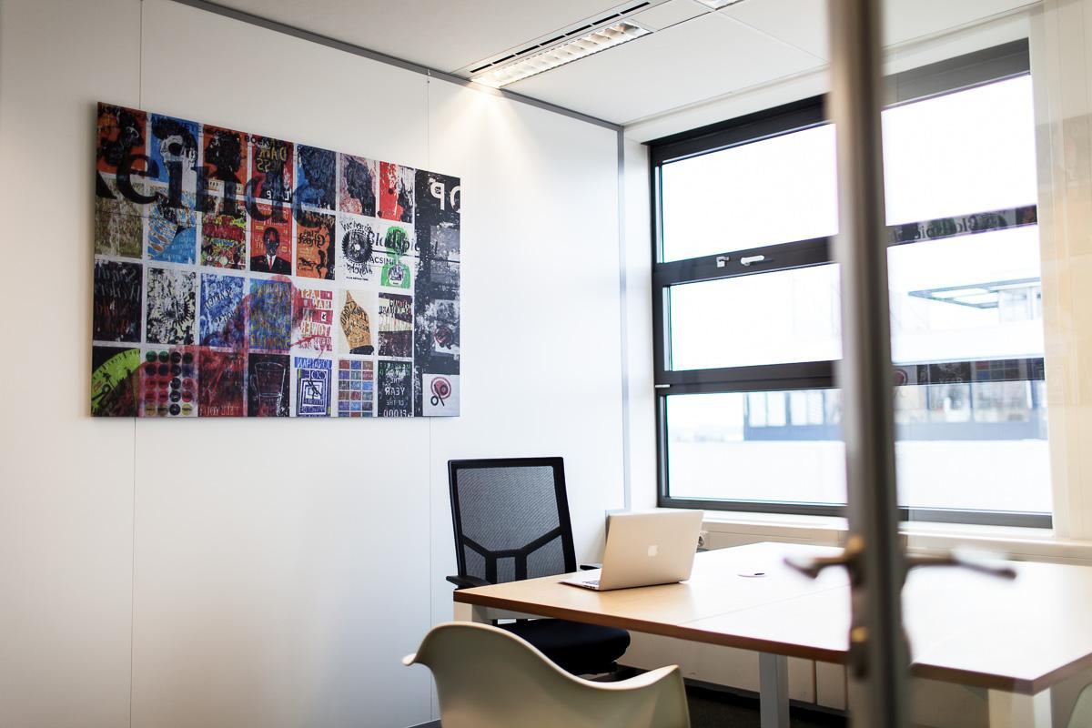 kleines gemeinsames heimbüro möbel businessbase kleines bürozimmer büro arbeitszimmer collage ohmyprints künstler db arbeitszimm