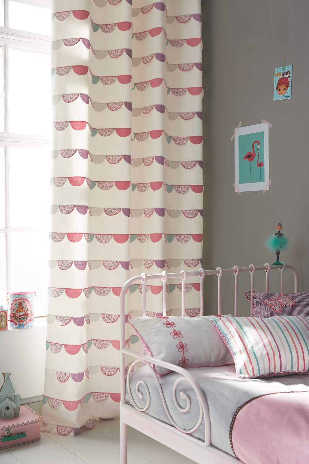 Romantisches kinderbett bilder ideen couchstyle for Kinderbett ideen