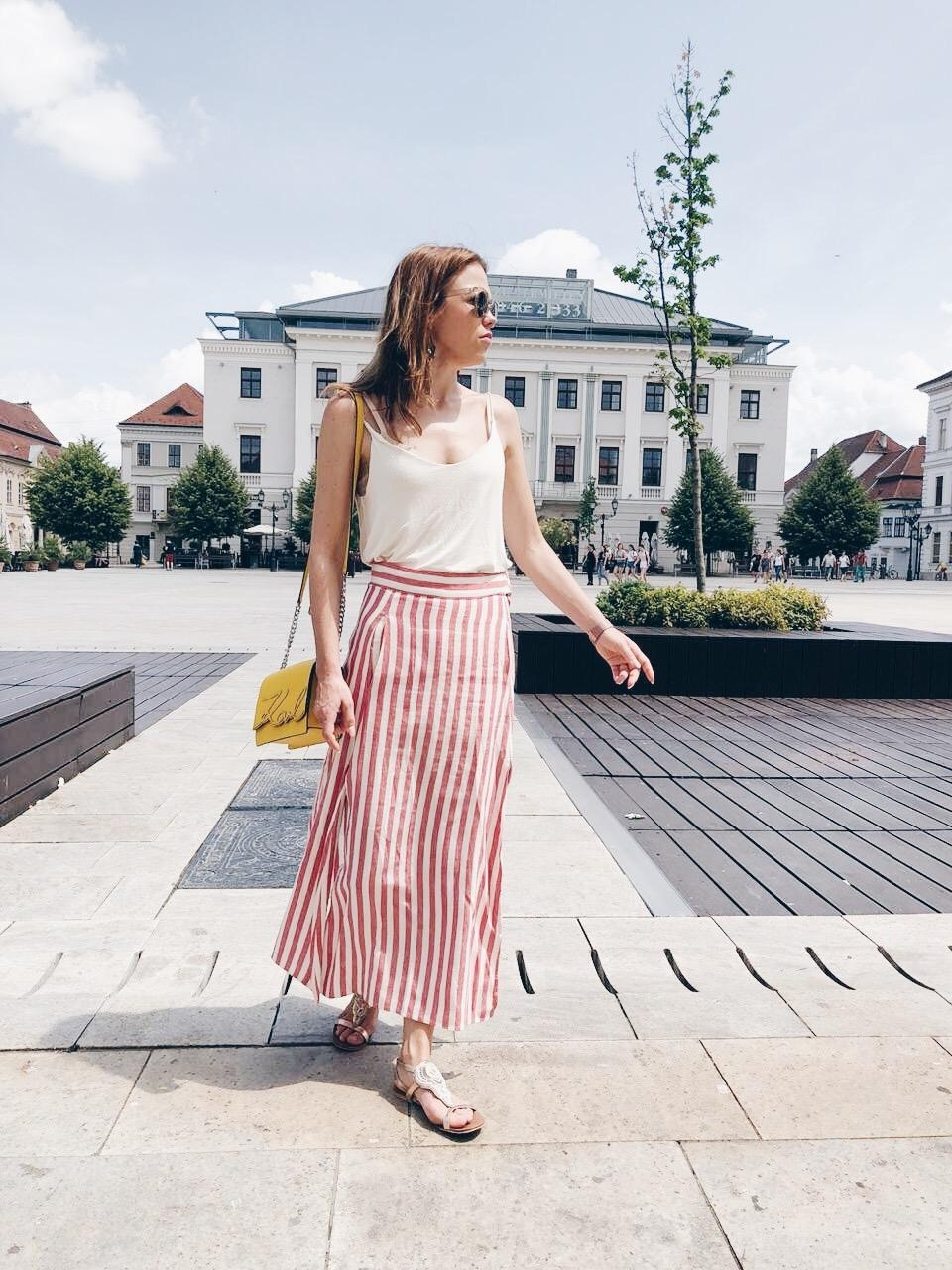 Citytrip #sommerlook #summervibes #skirt #streetstyle #ootd #fashionlook #citygirl #travel